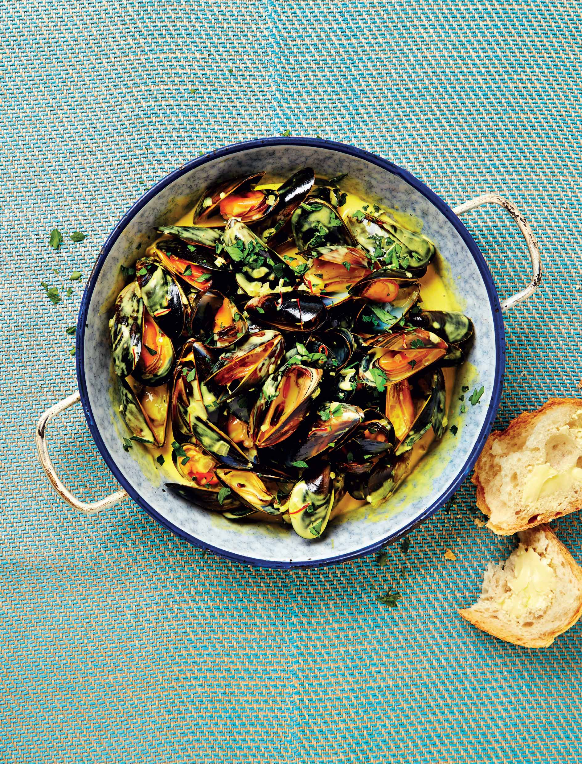 Mussels with saffron custard