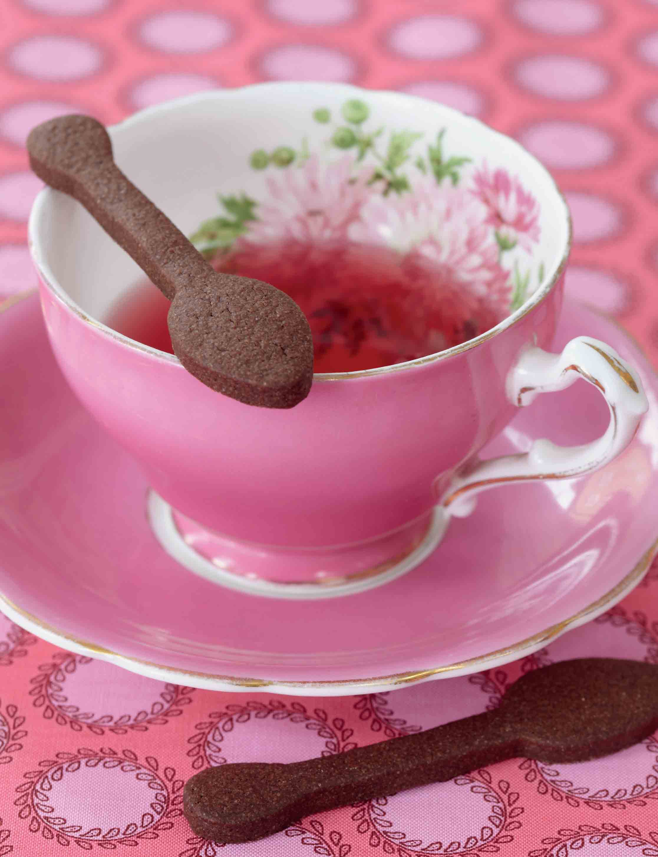 Teaspoon chocolate biscuits