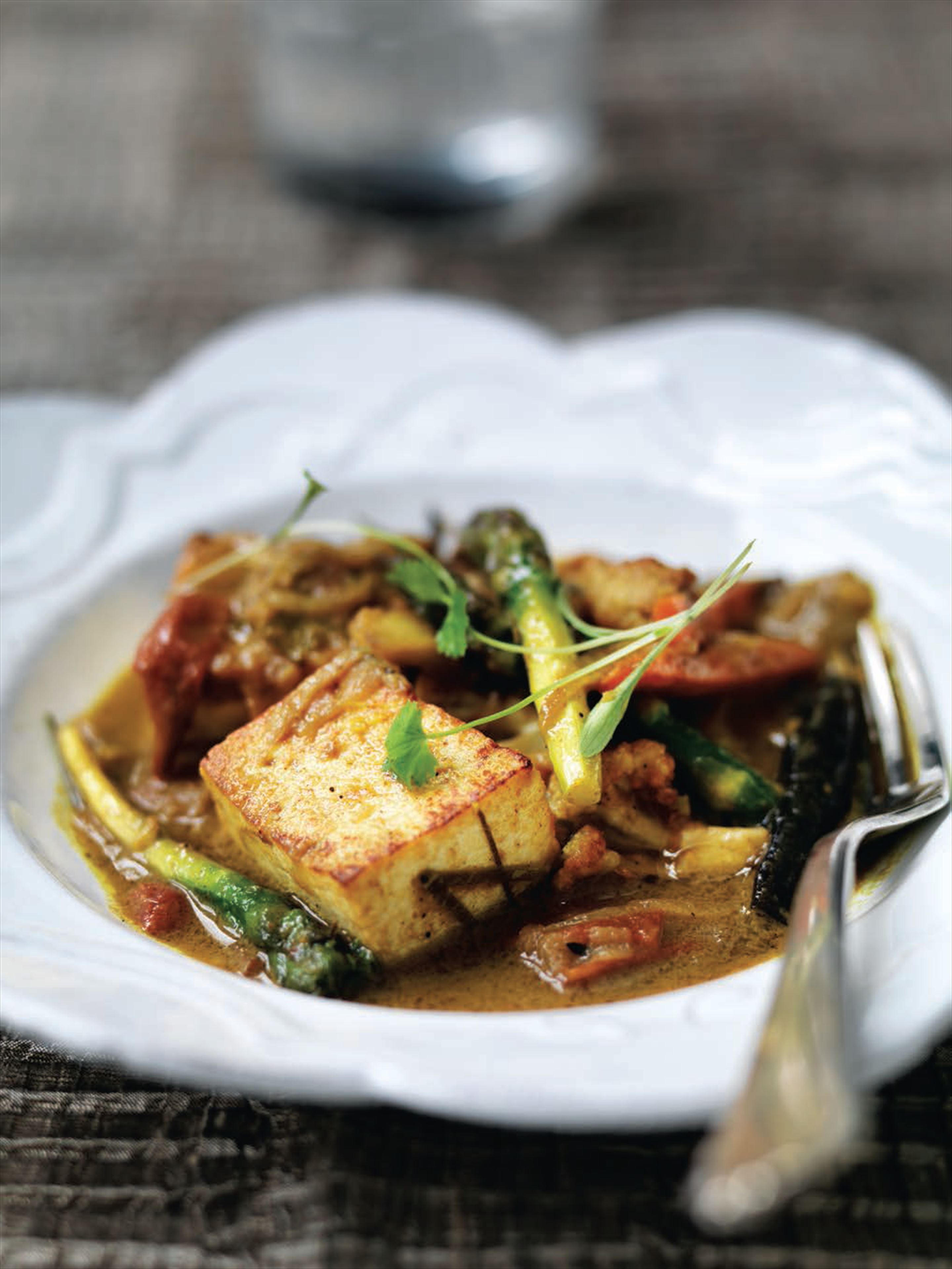 Vegetable and tofu curry (Vietnam)