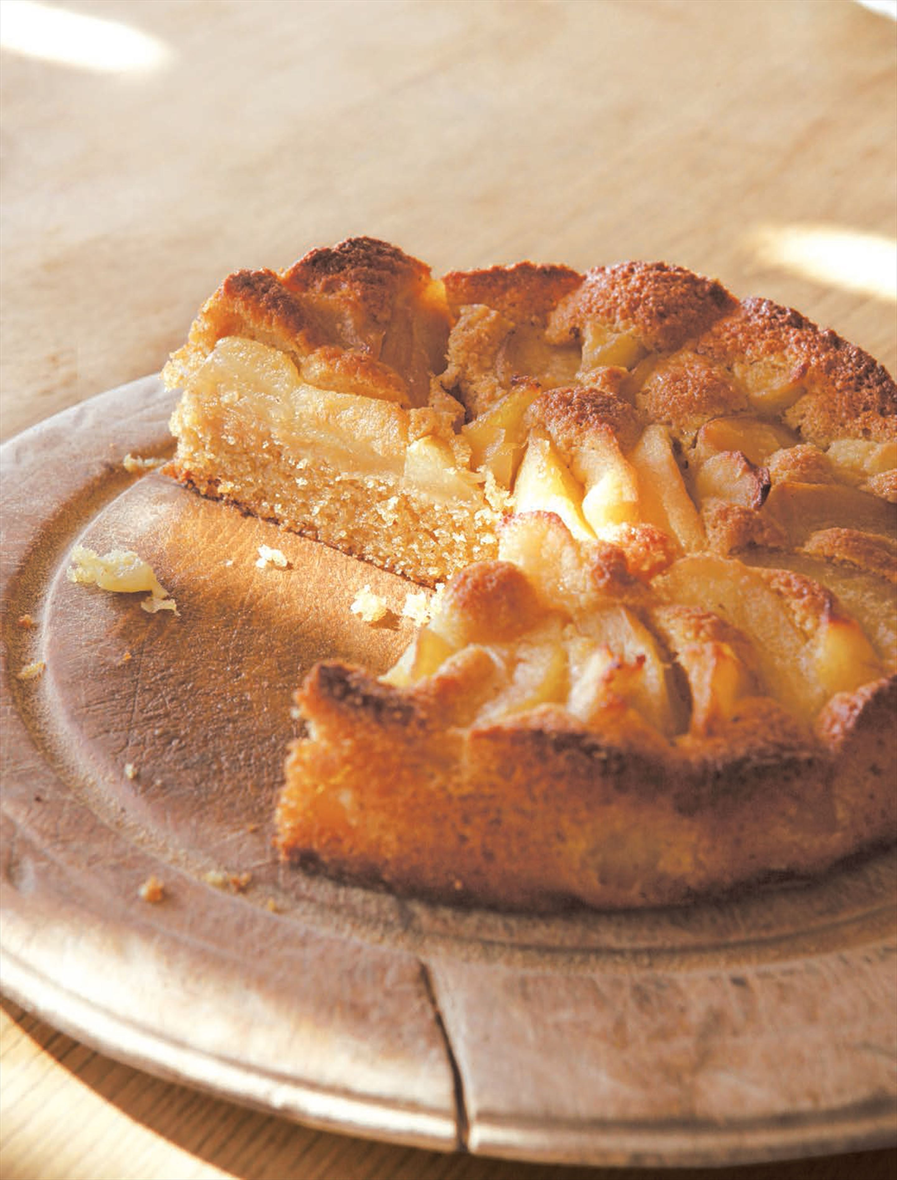 Apple and almond pudding cake