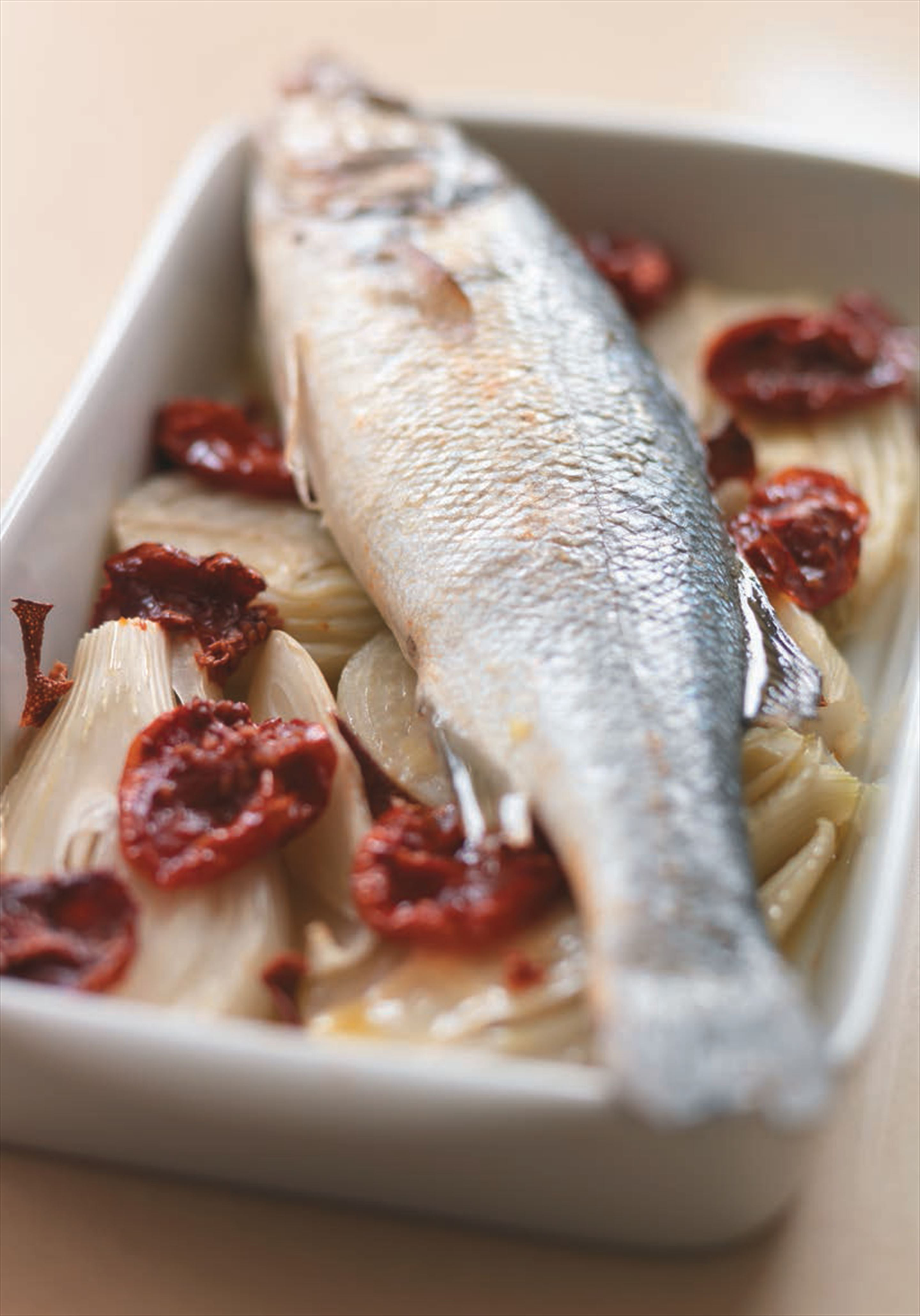 Roast sea bass with fennel with confit de tomates