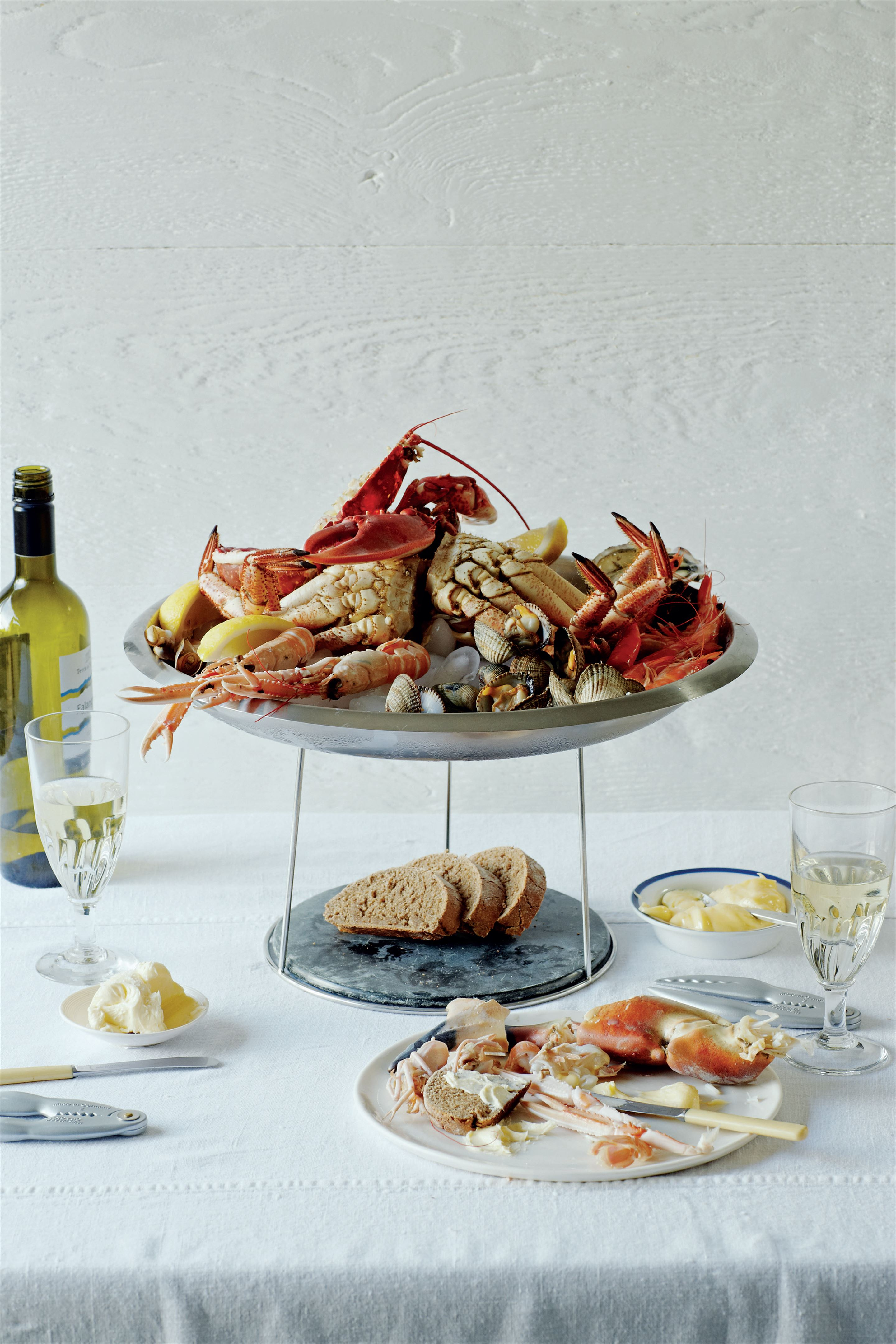 Fruits de mer with home-made rye bread and whipped butter