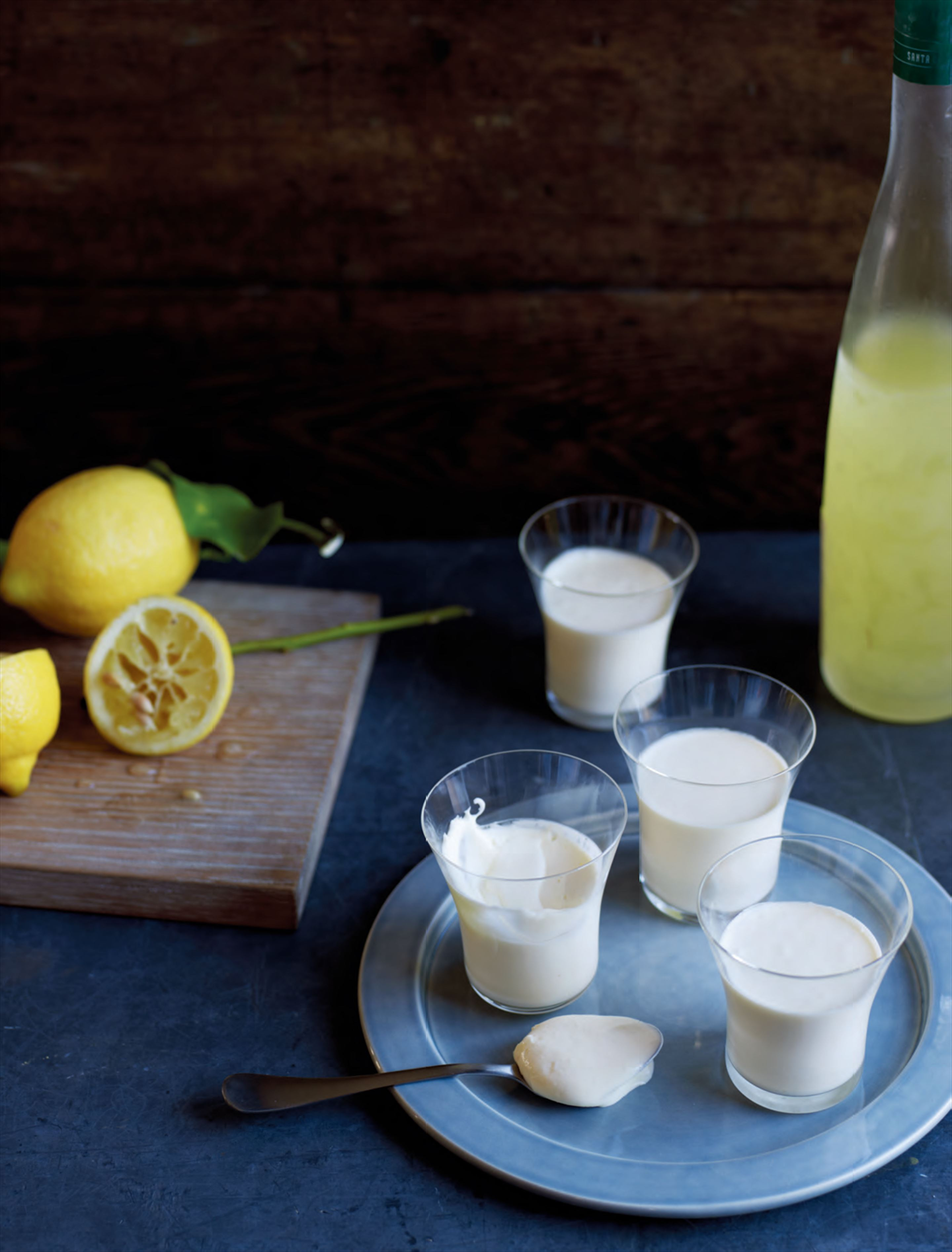 Lemon posset with limoncello