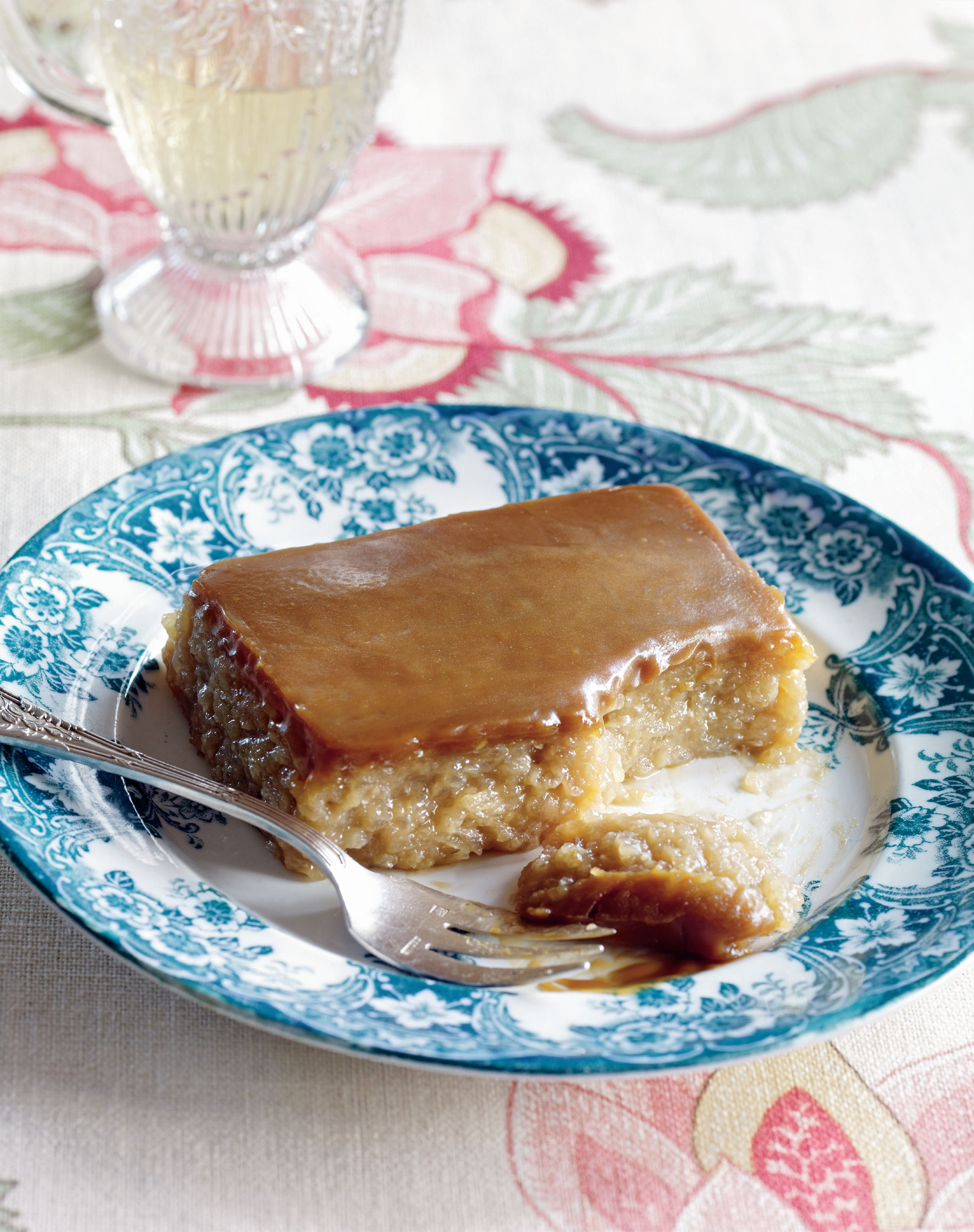 Coconut caramel sticky rice cake
