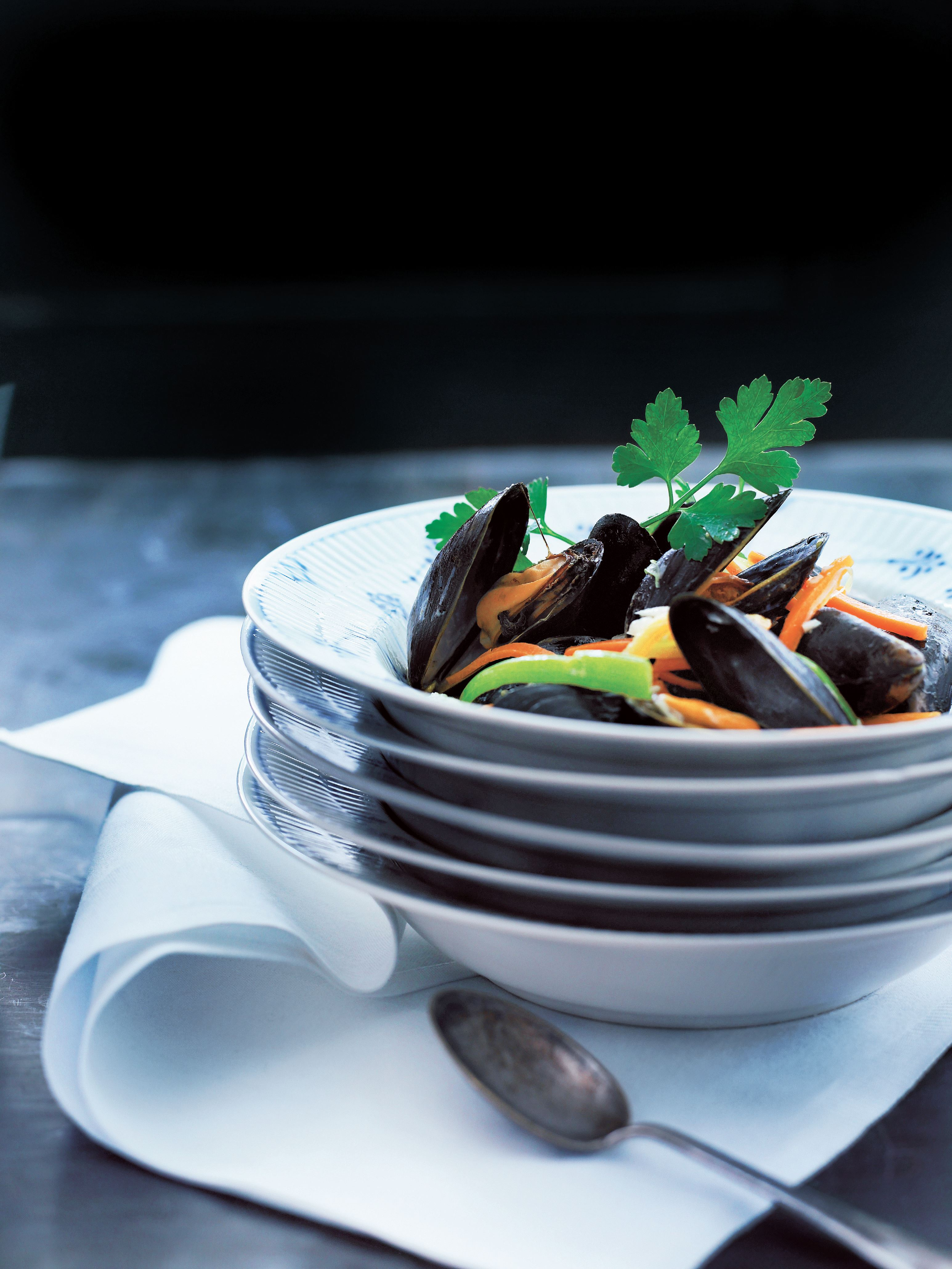 Limfjords mussels steamed in wine, vegetables and parsley