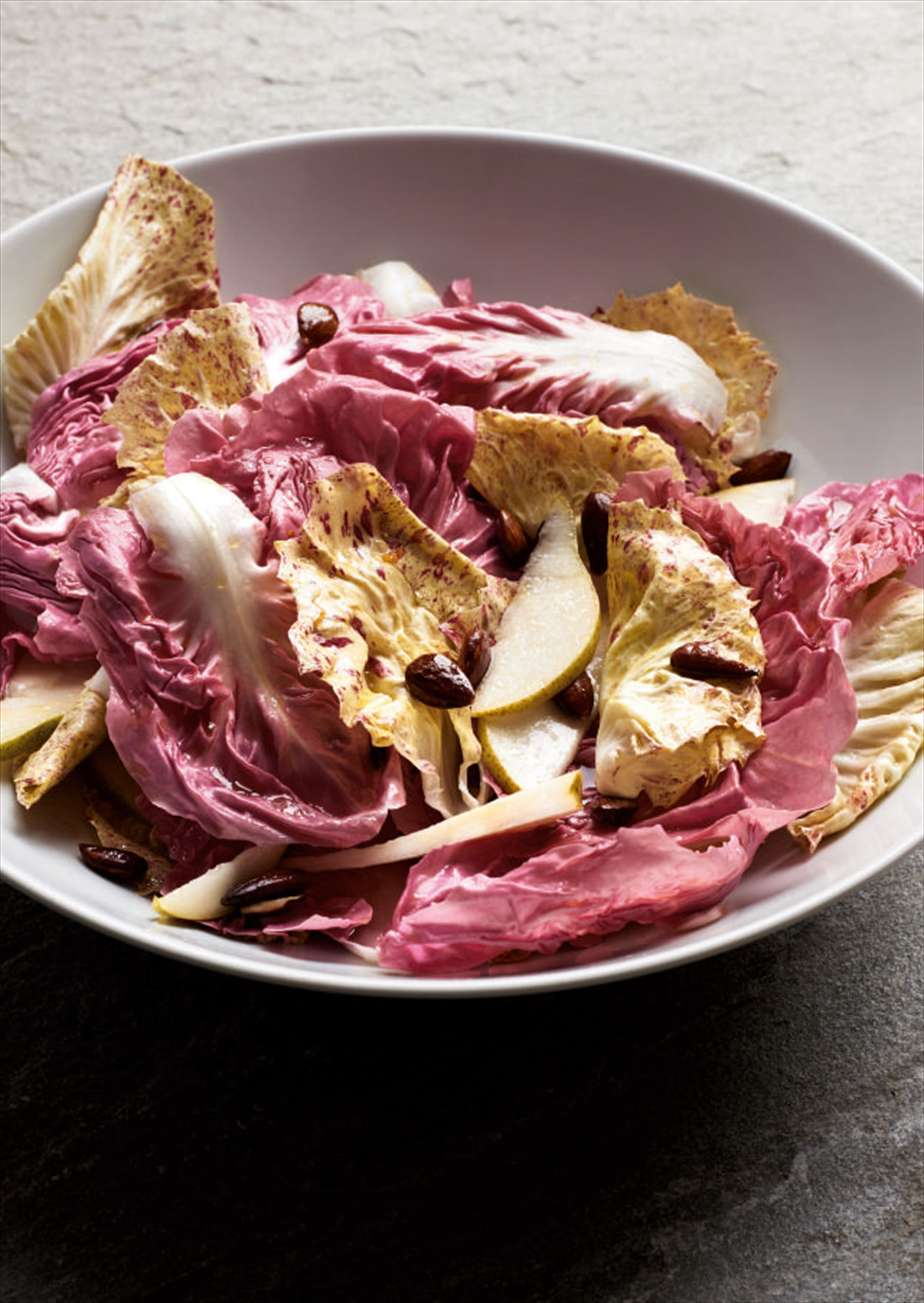 Pink radicchio with pear and almonds