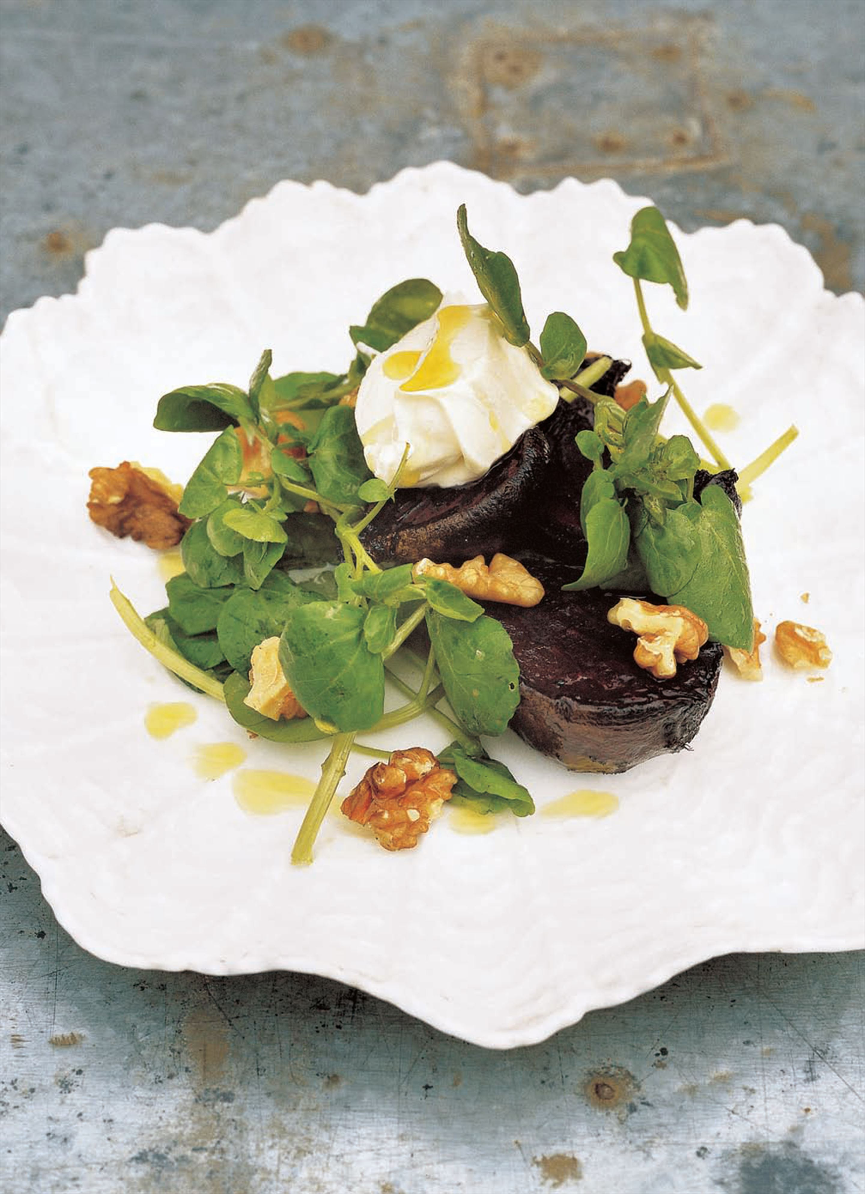 Salad of roasted beetroot, walnuts, watercress and mascarpone