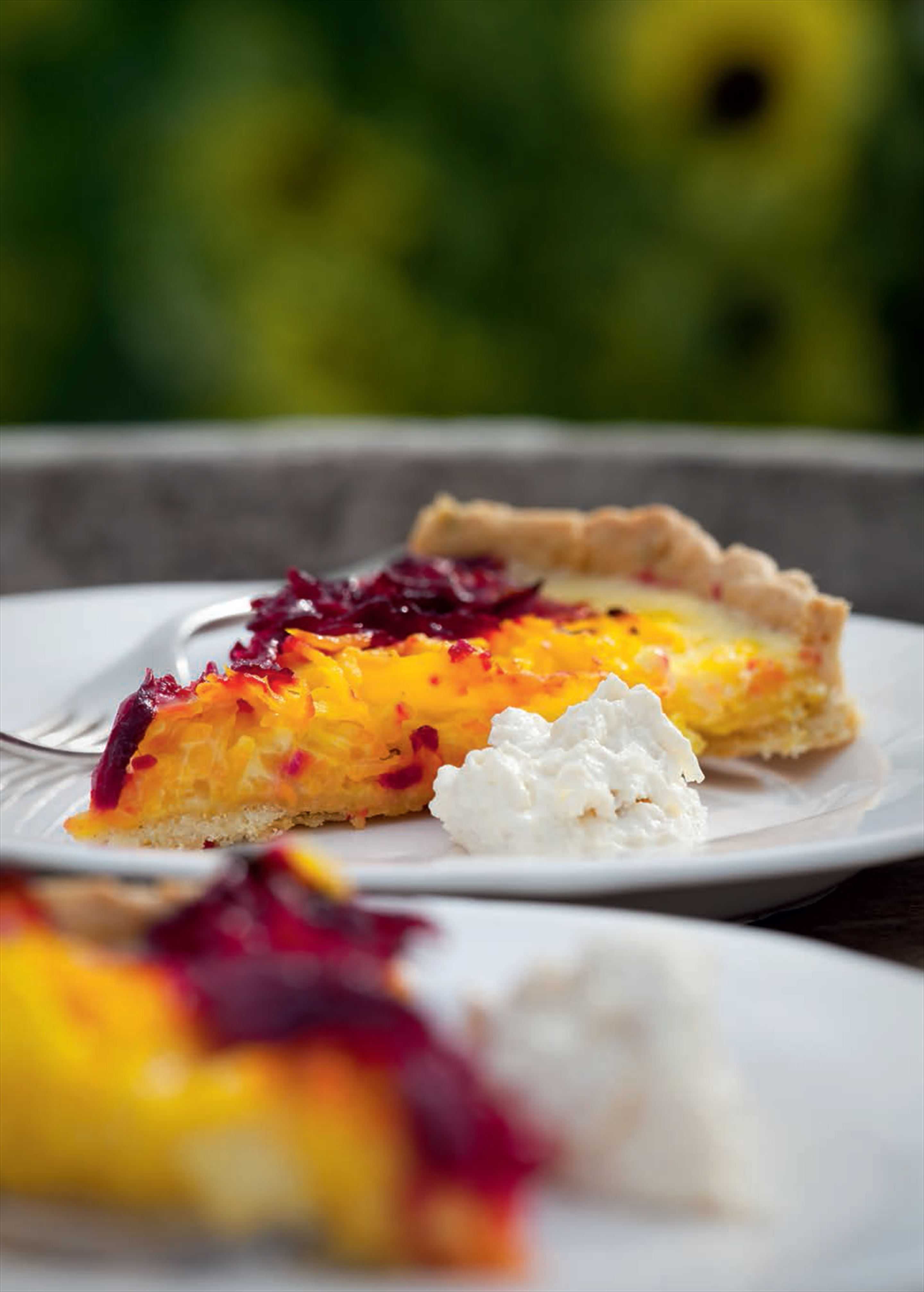Beetroot tart with horseradish cream
