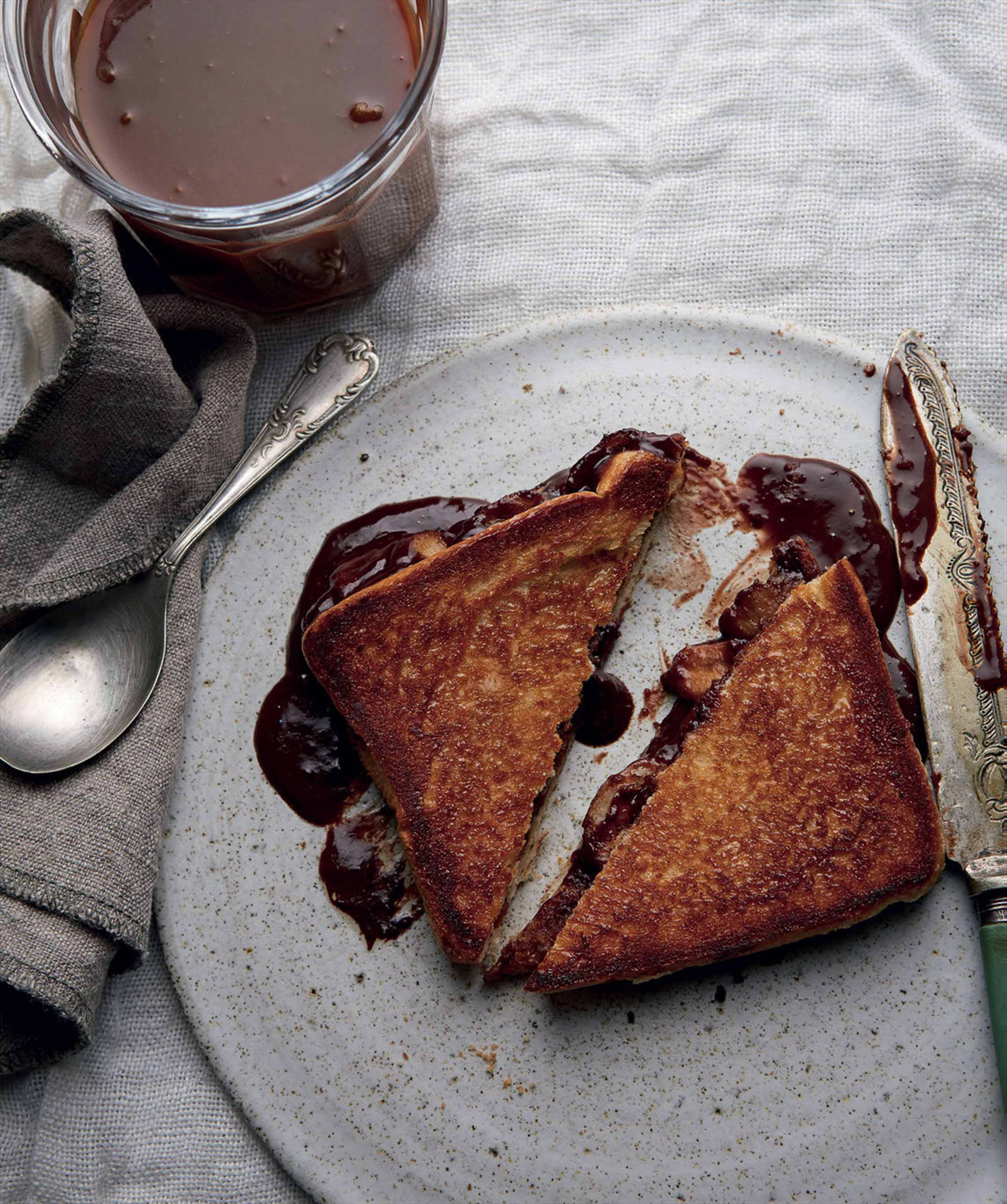 Chocolate and banana toasties with peanut butter caramel