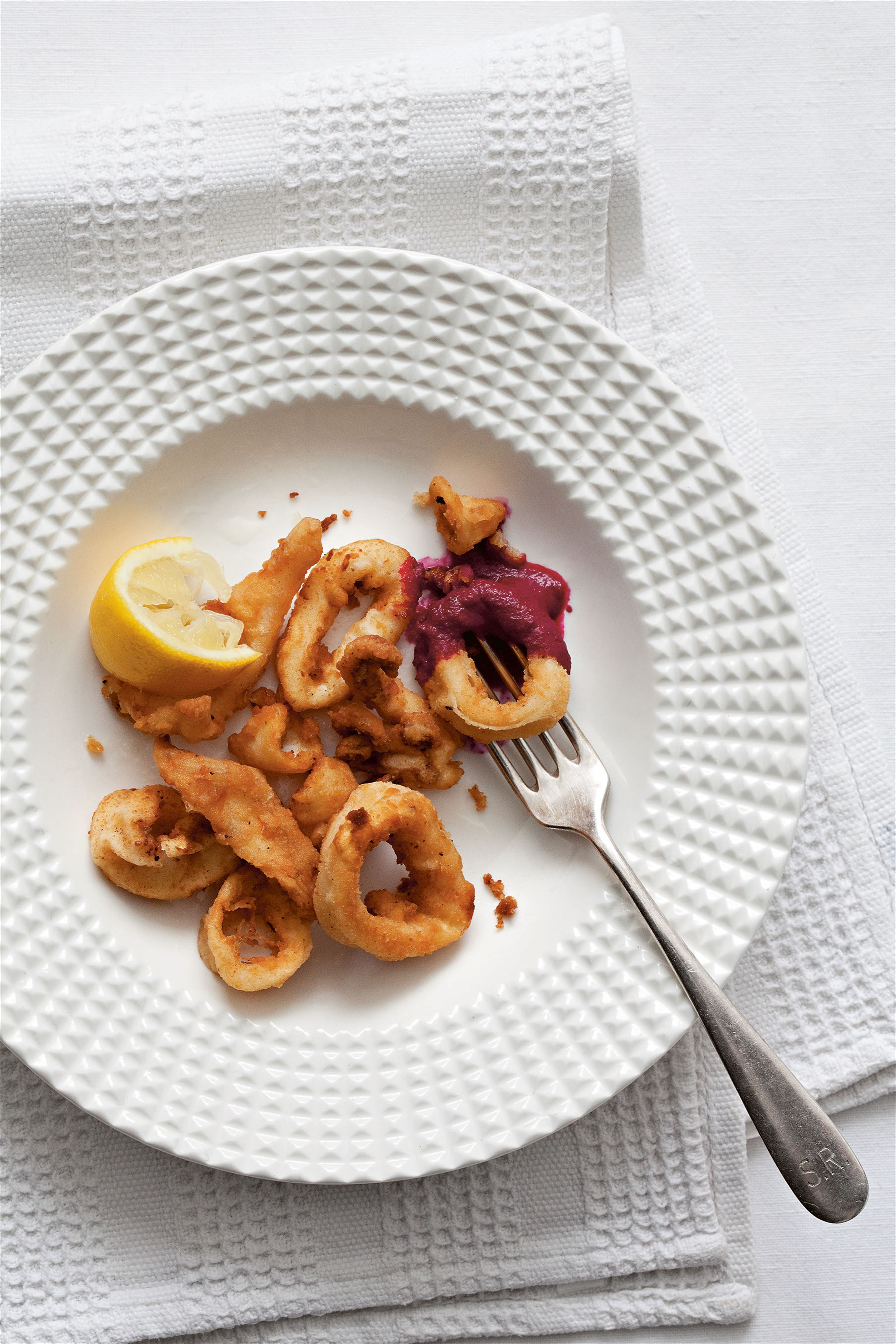 Crispy squid with beetroot sauce
