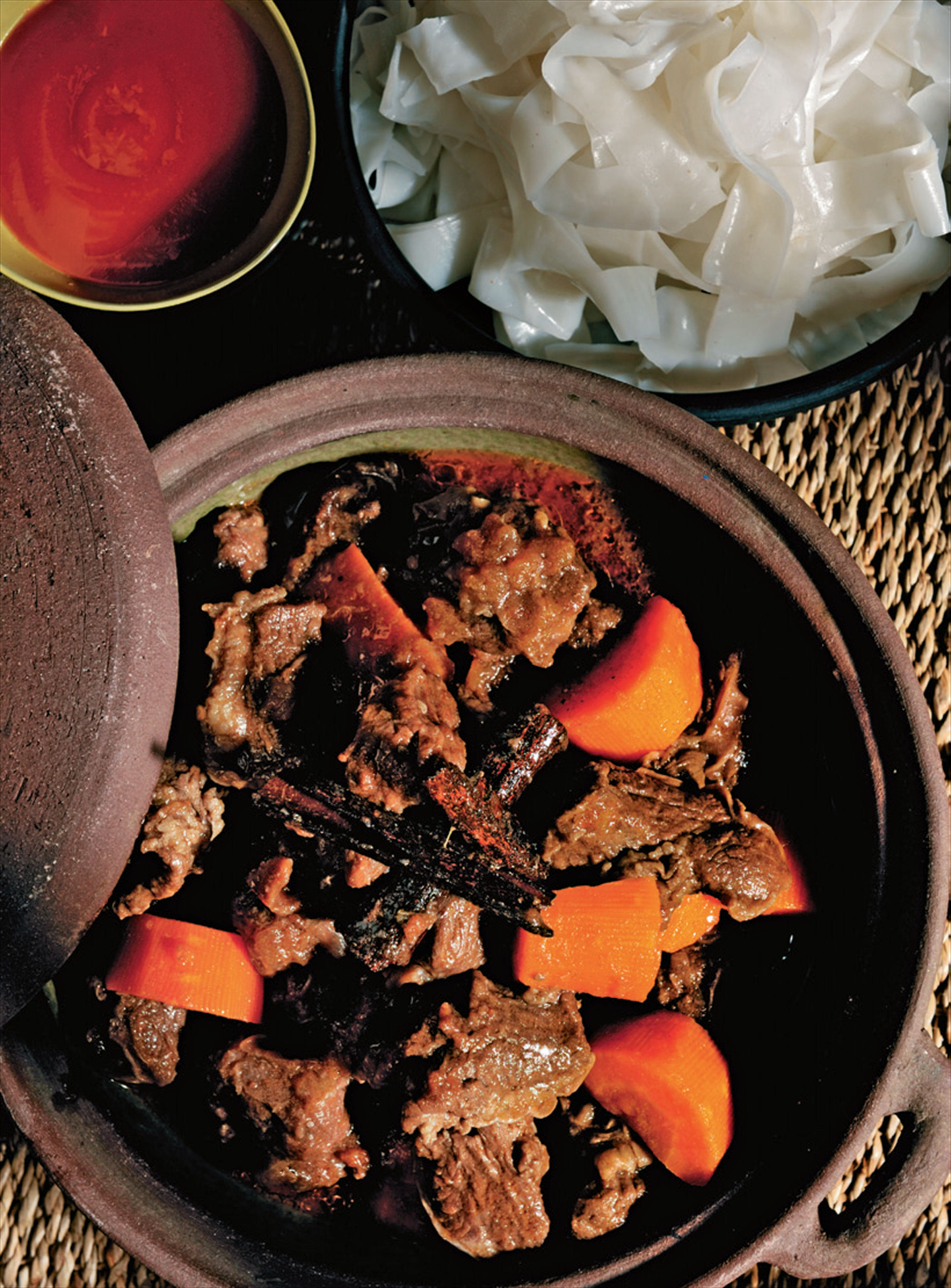 Hanoi braised beef with red wine