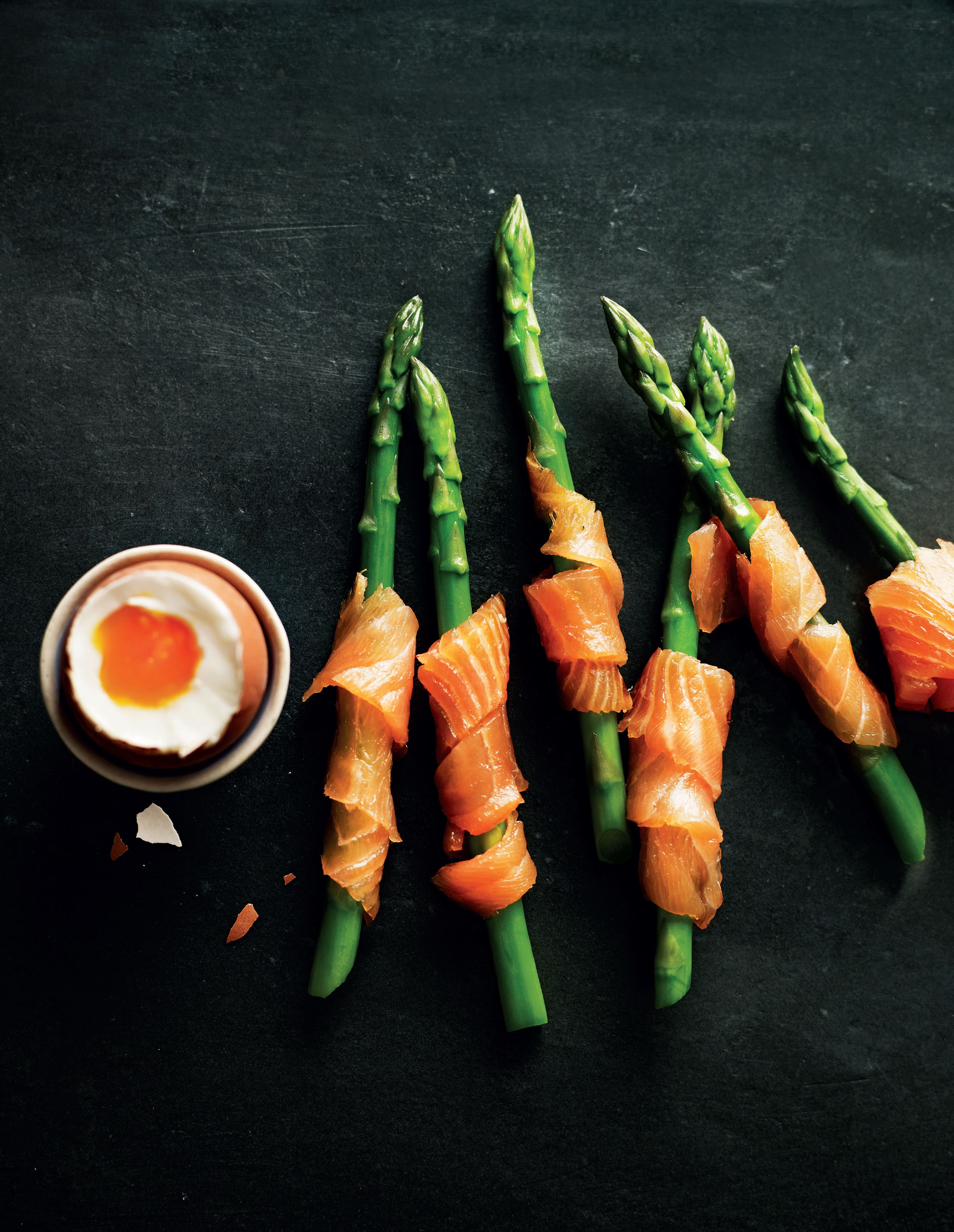 Asparagus and smoked salmon egg dippers