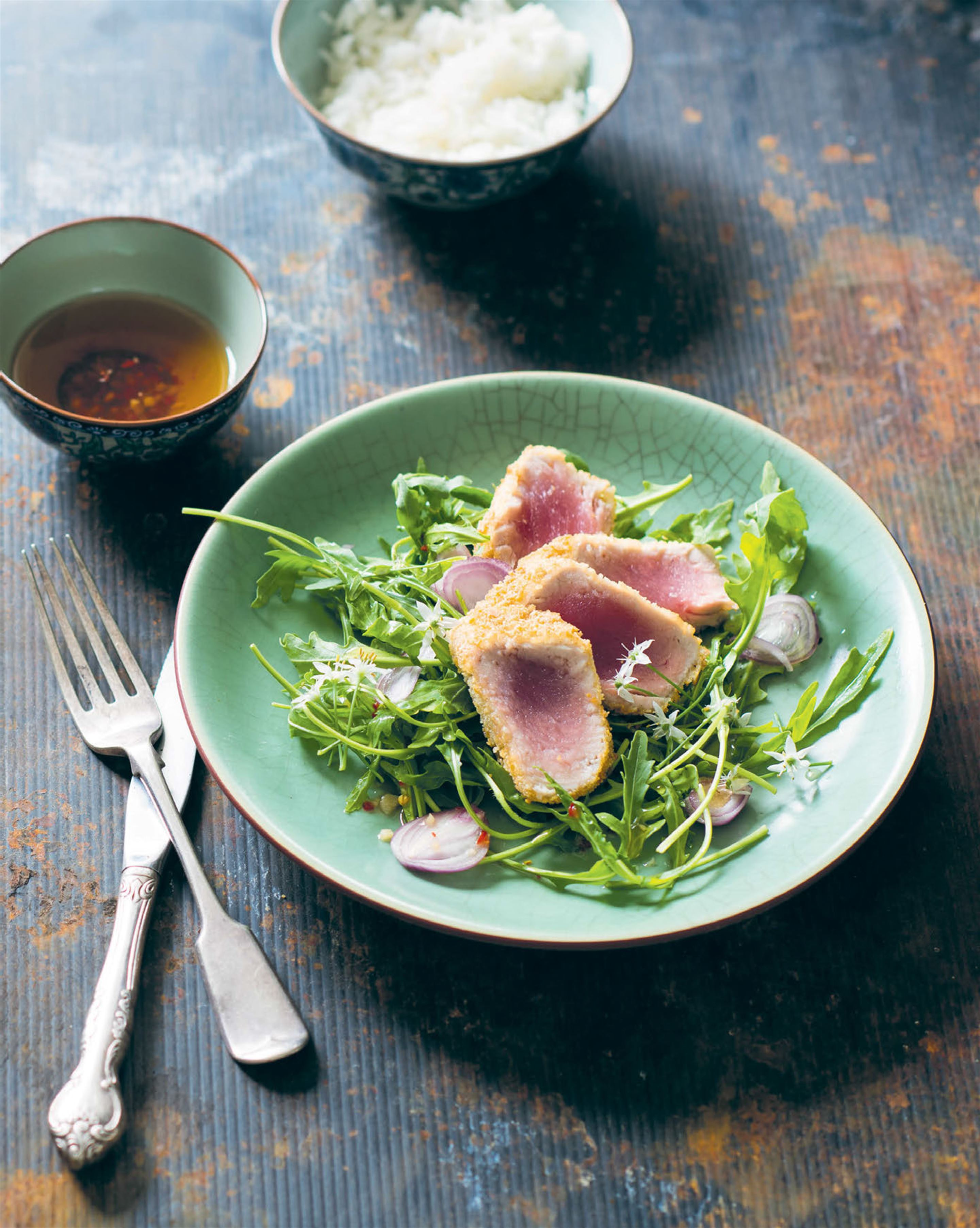 Crusted tuna with wild rocket & nuoc cham