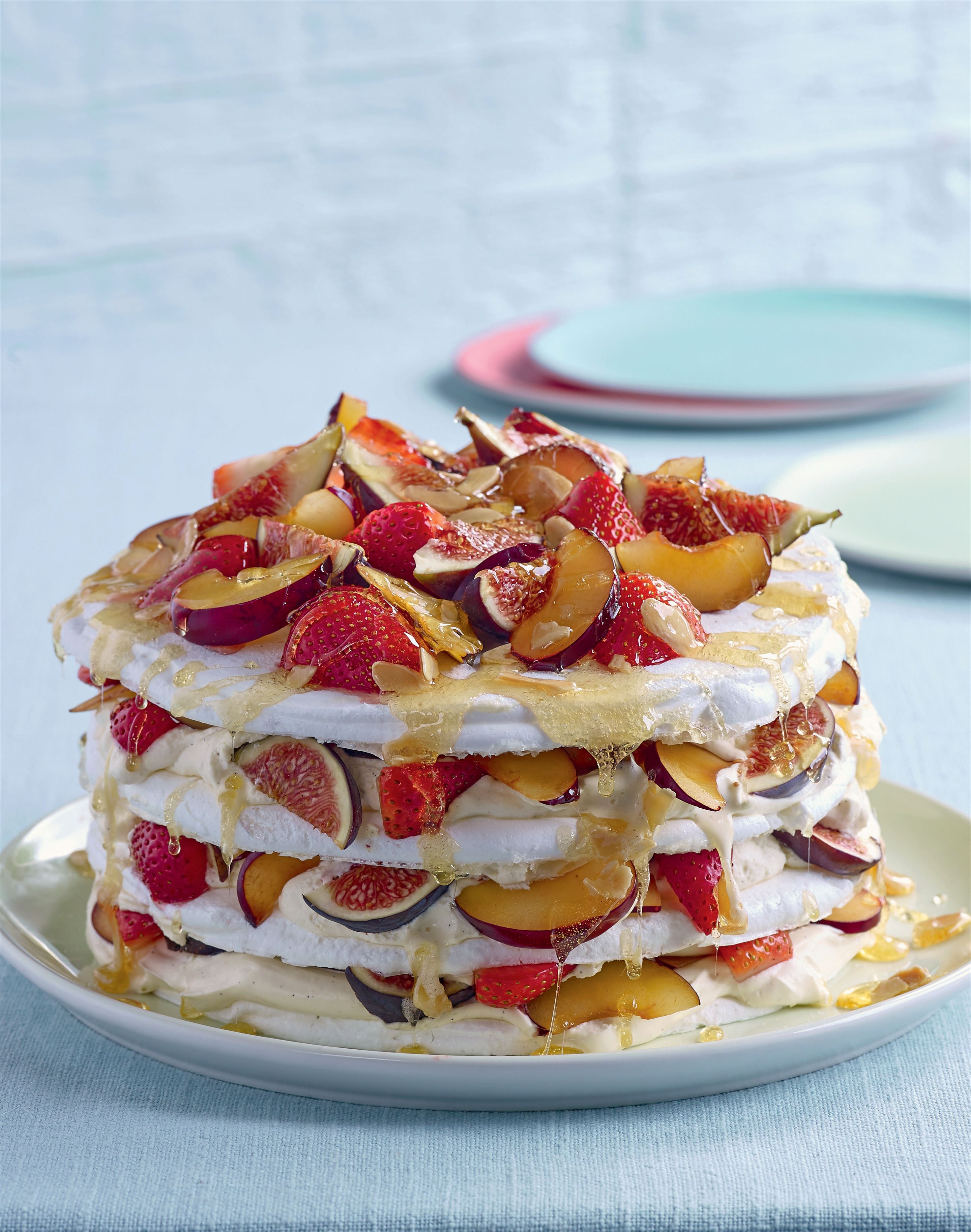 Fruit meringue gateau
