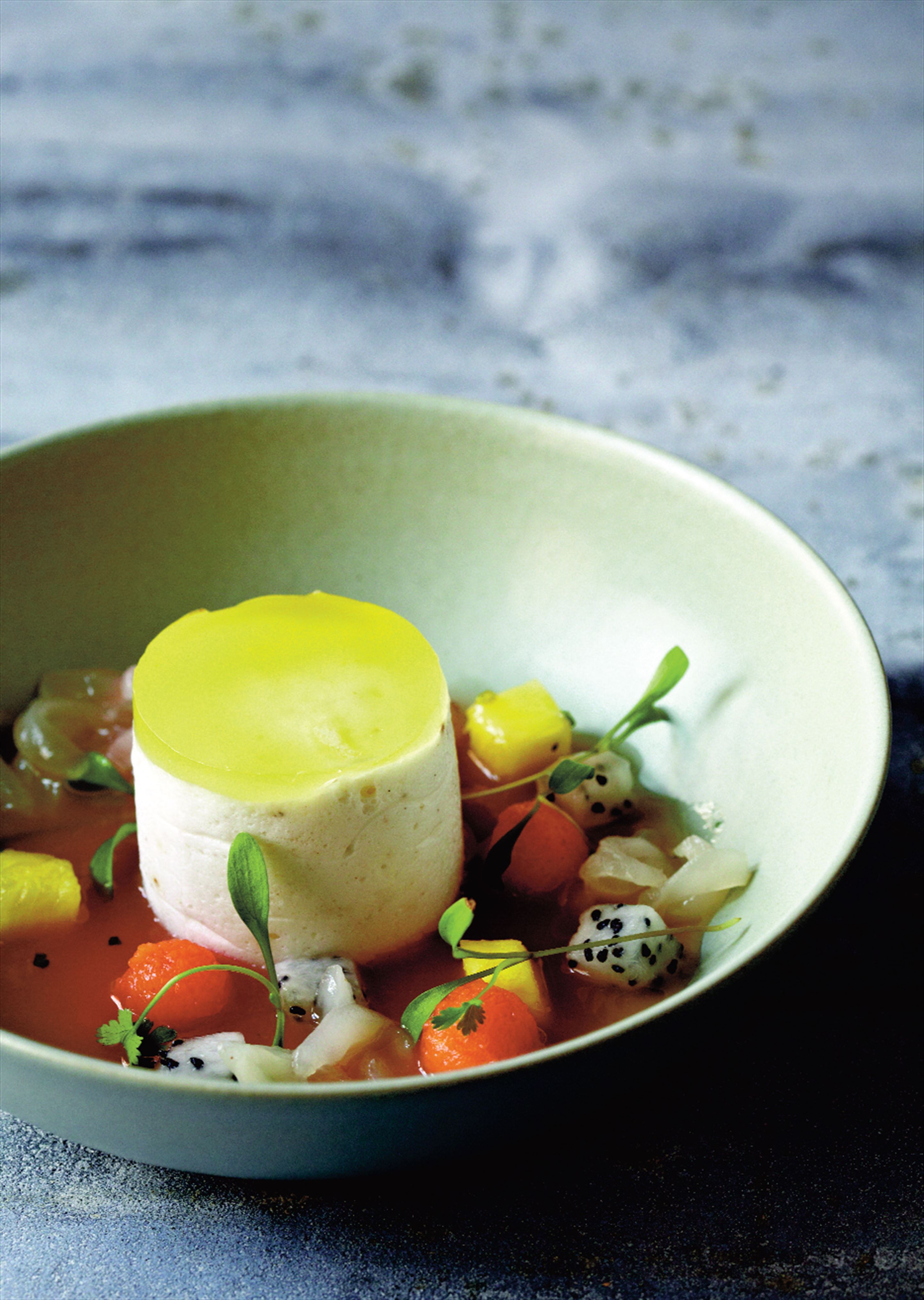 Coconut and pepper mousse with guava soup