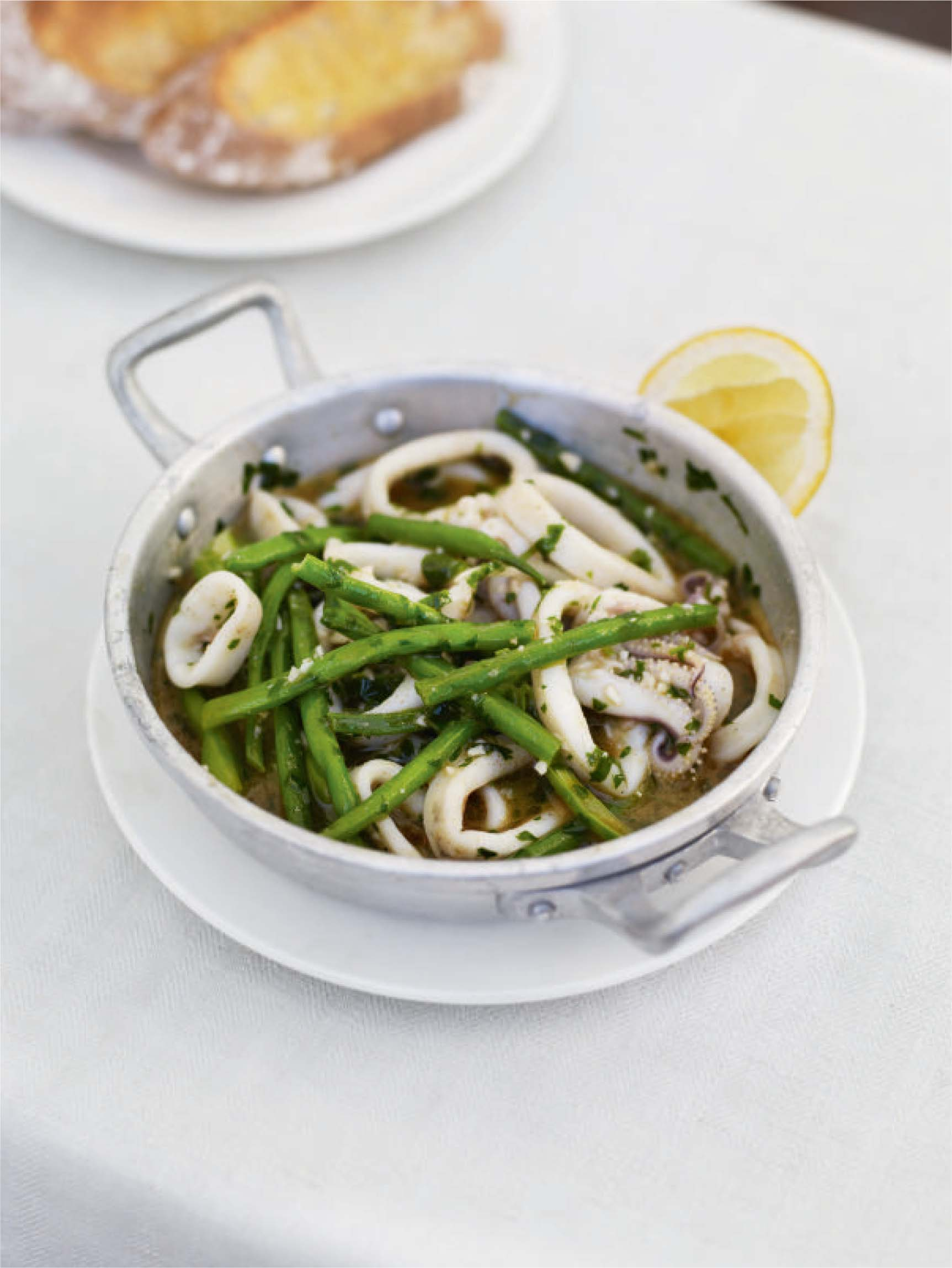 Garlic and chilli squid with green beans