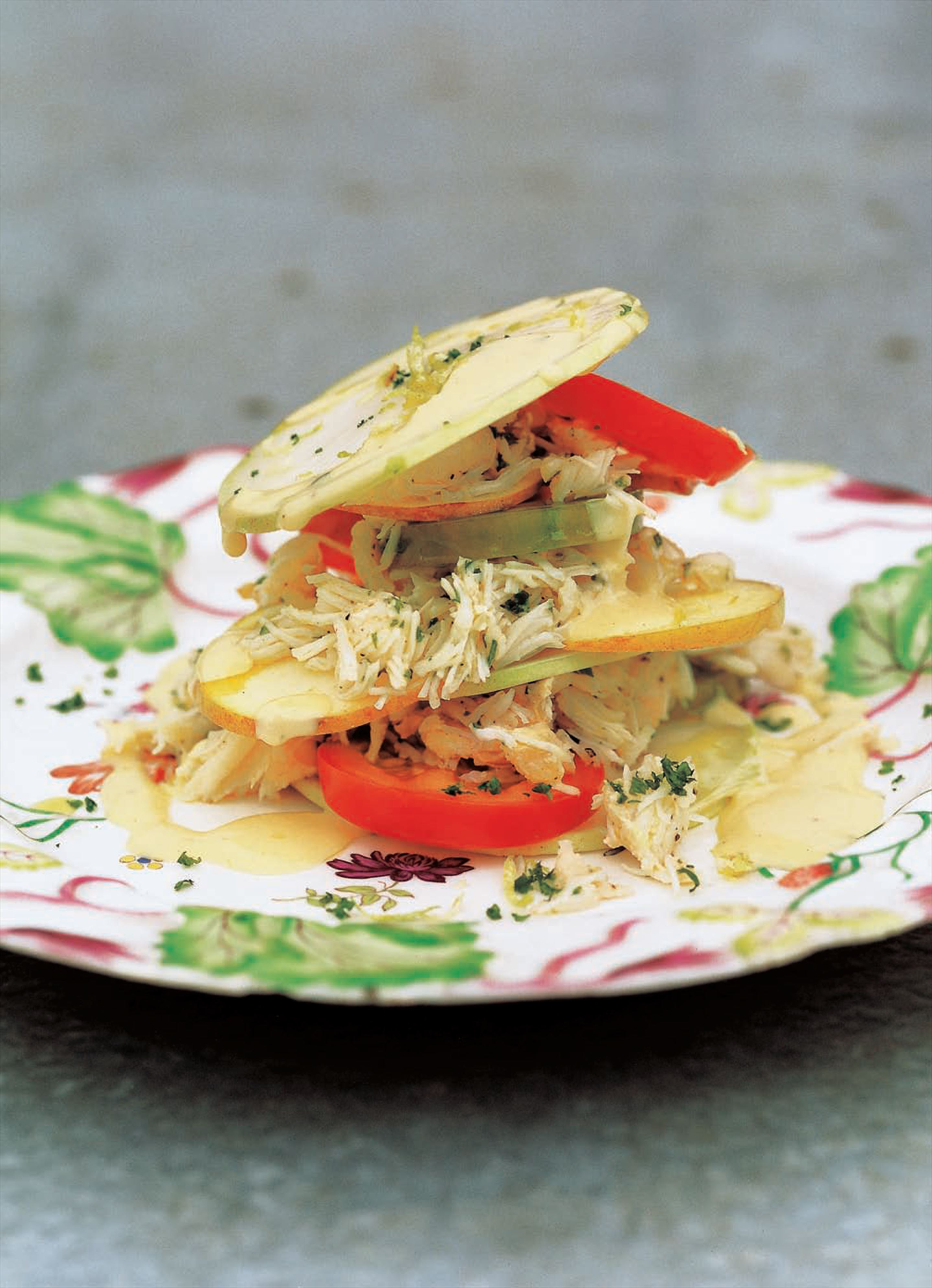 Kohlrabi, apple and crab salad