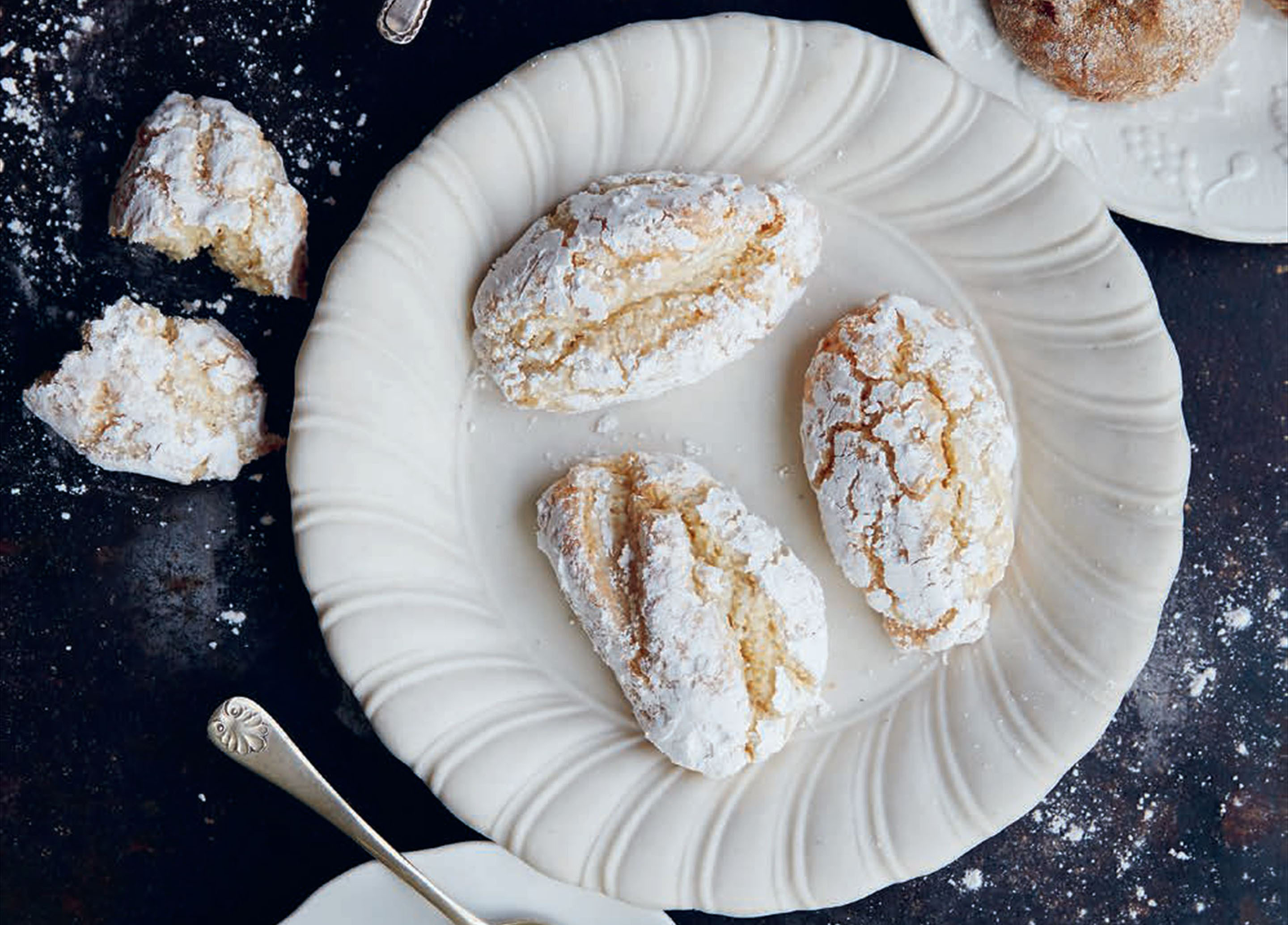 Sienese almond biscuits