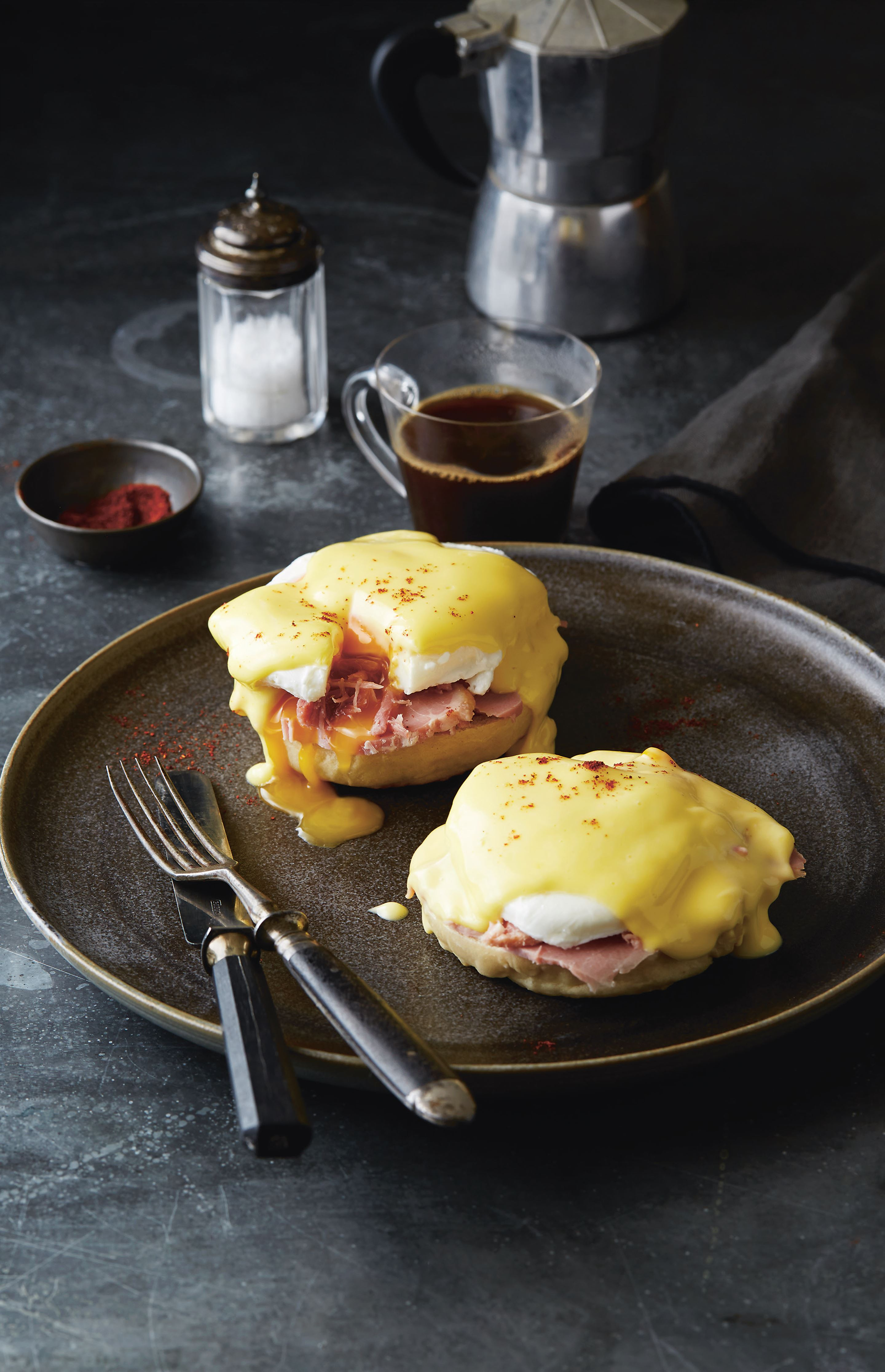 Home-made muffins with eggs benedict