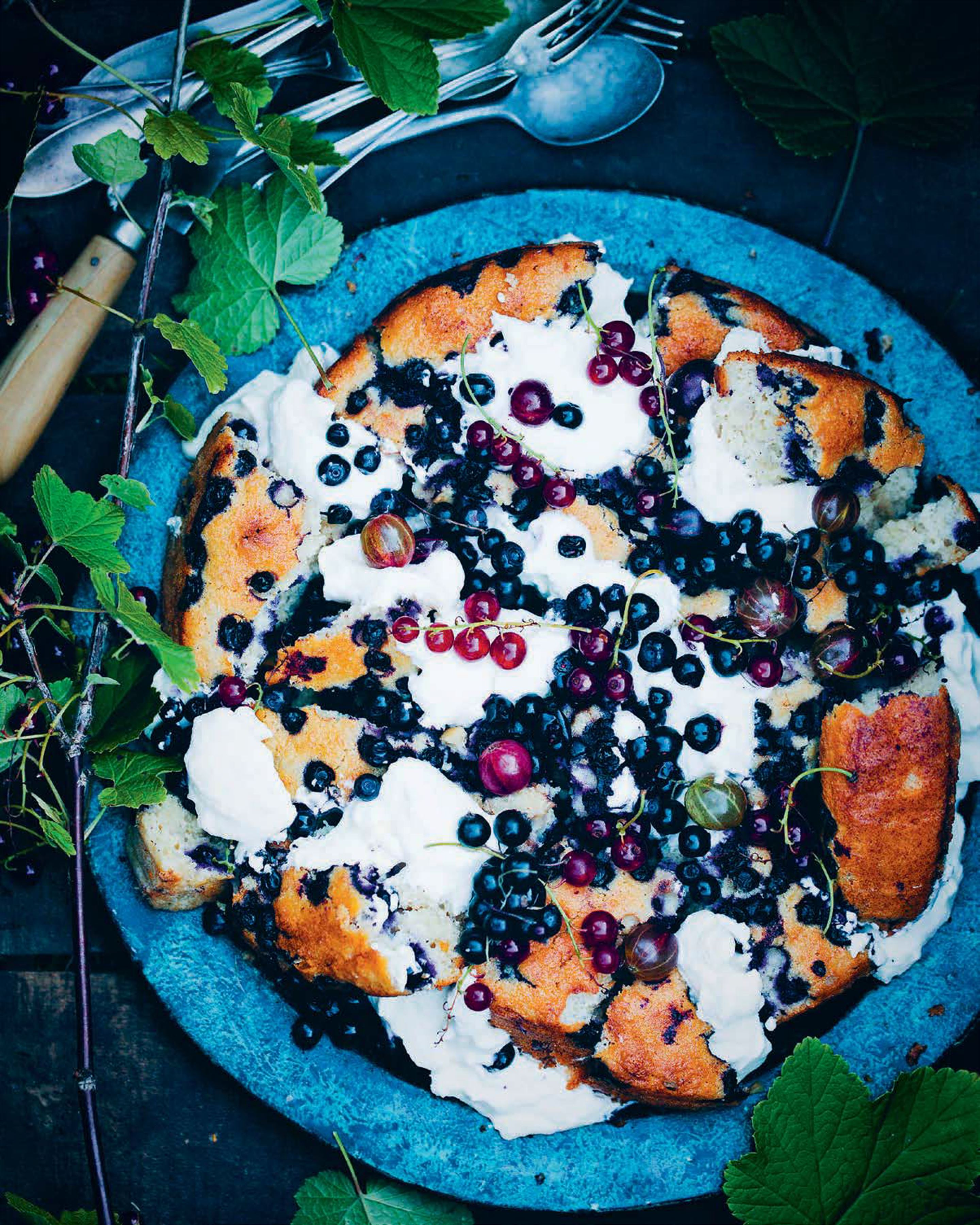 Shattered blueberry and yoghurt cake