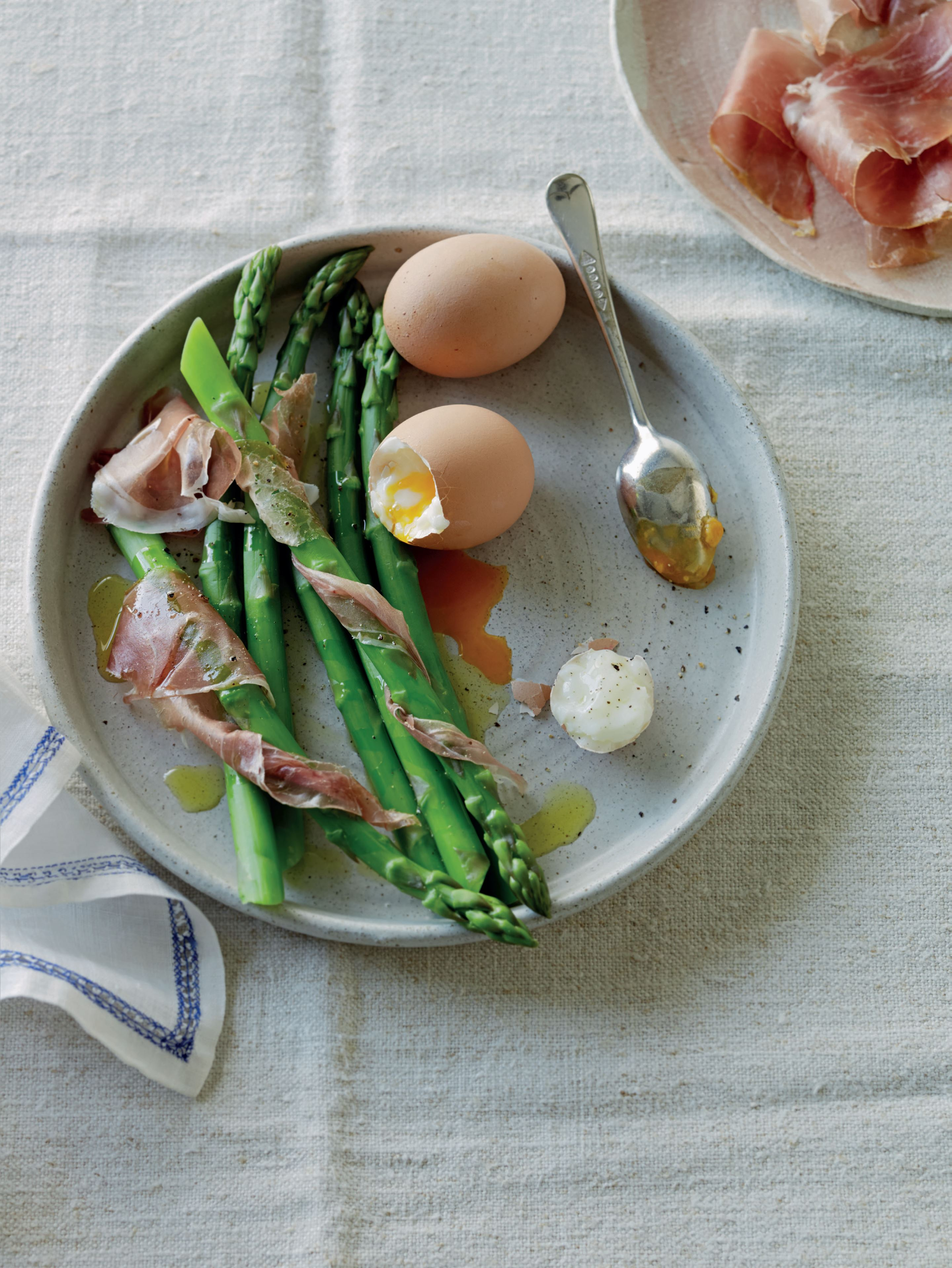 Gooey eggs with asparagus dippers