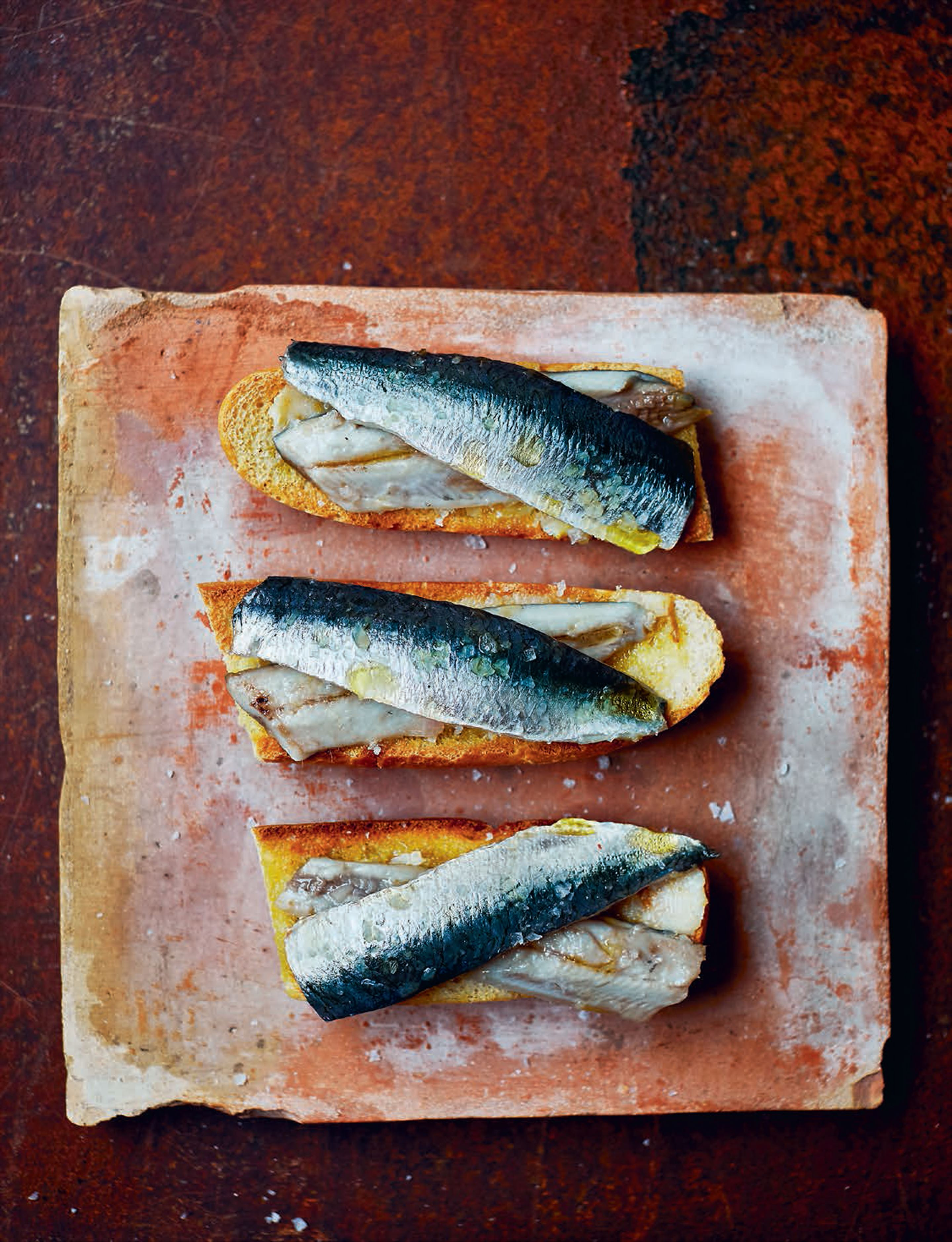 Sardines marinated in cider or txakoli vinegar