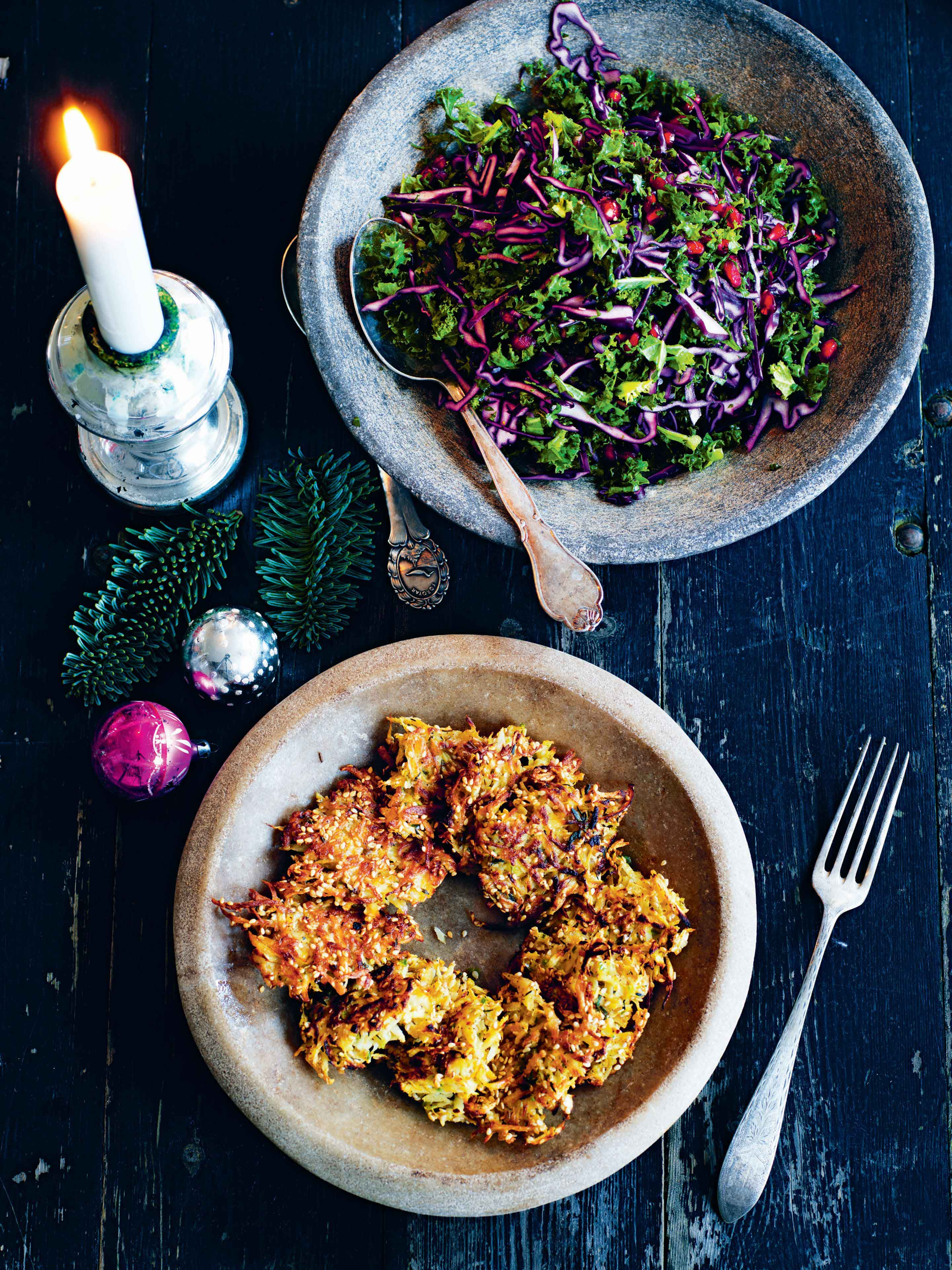Red cabbage, kale and pomegranate salad