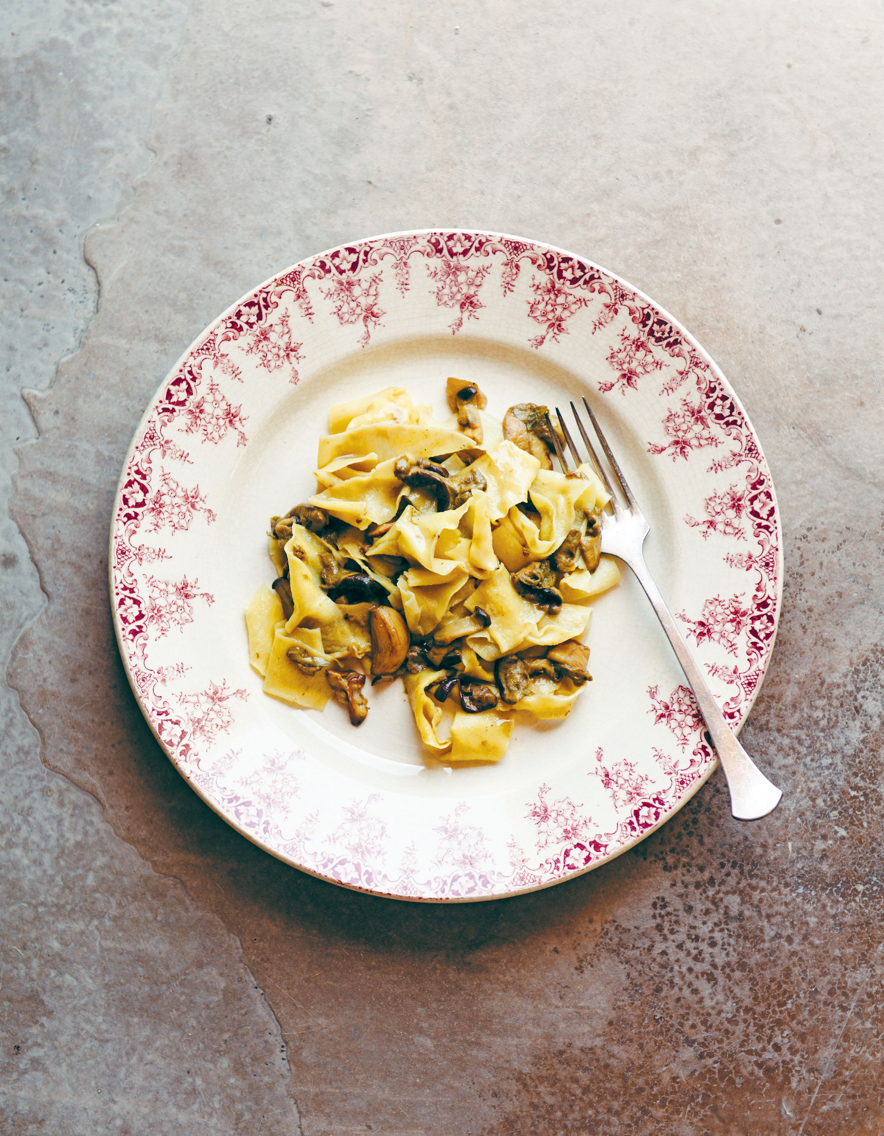 Pappardelle pasta with wild mushrooms