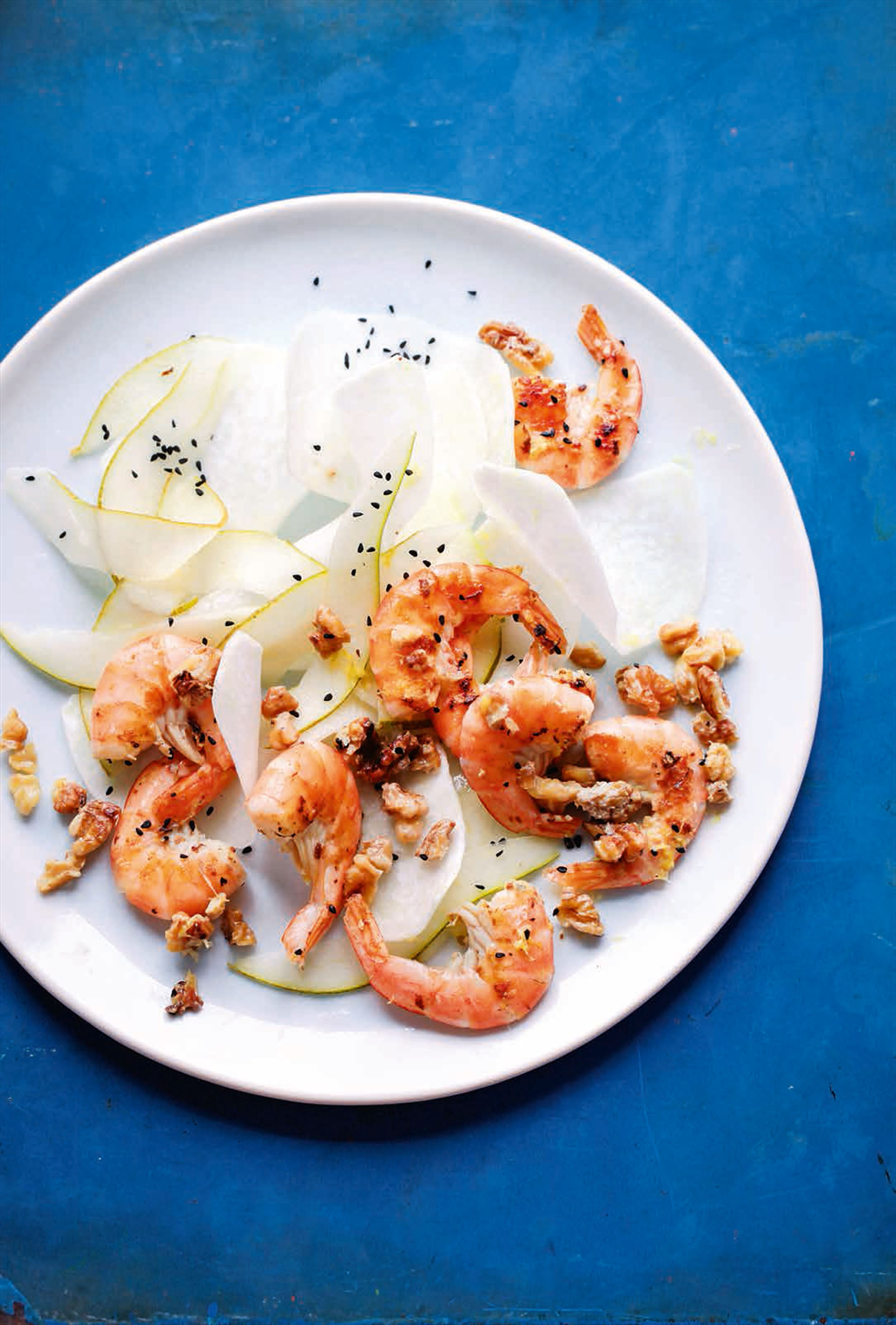 King prawn, kohlrabi & pear salad