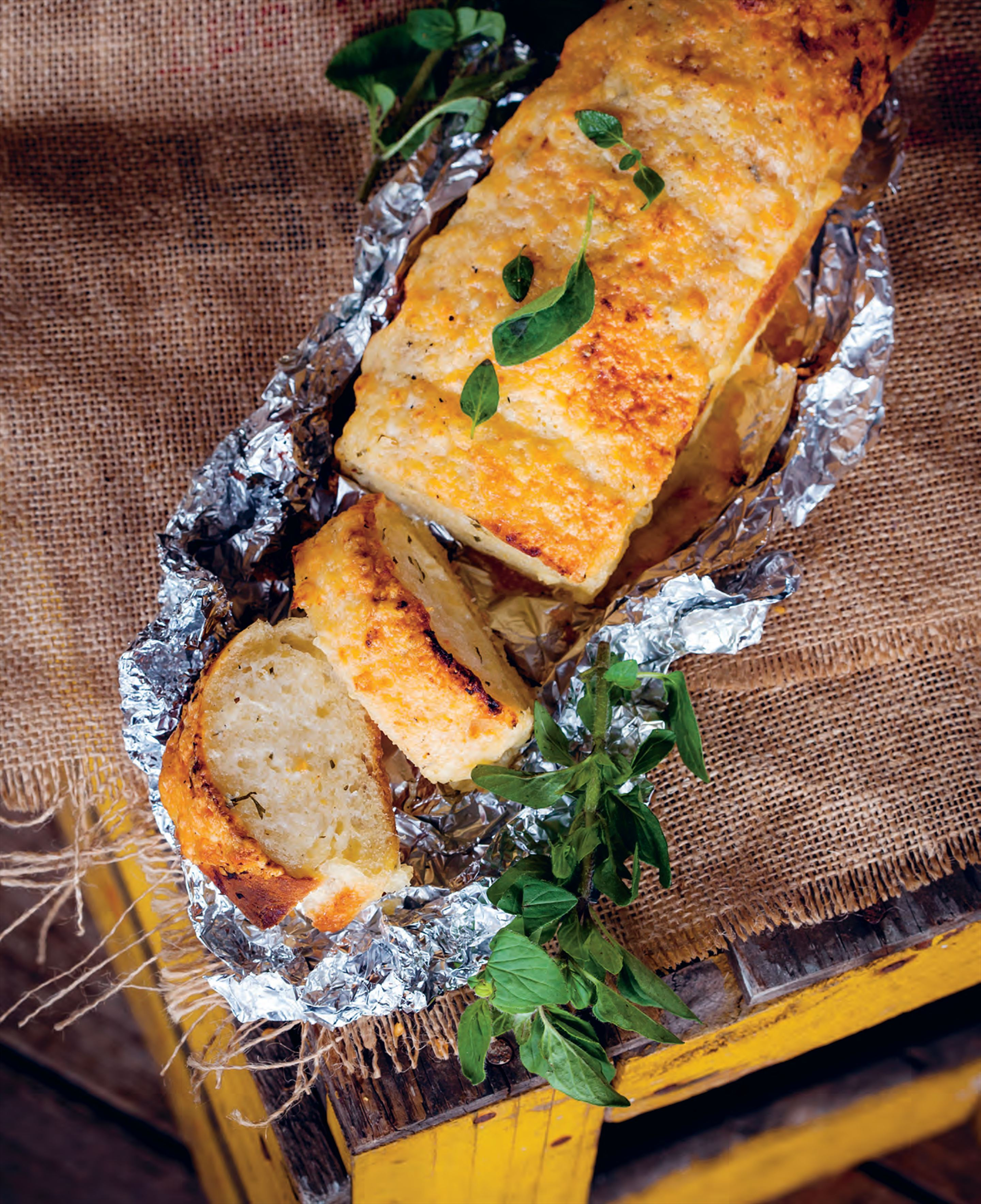 Brazilian garlic bread