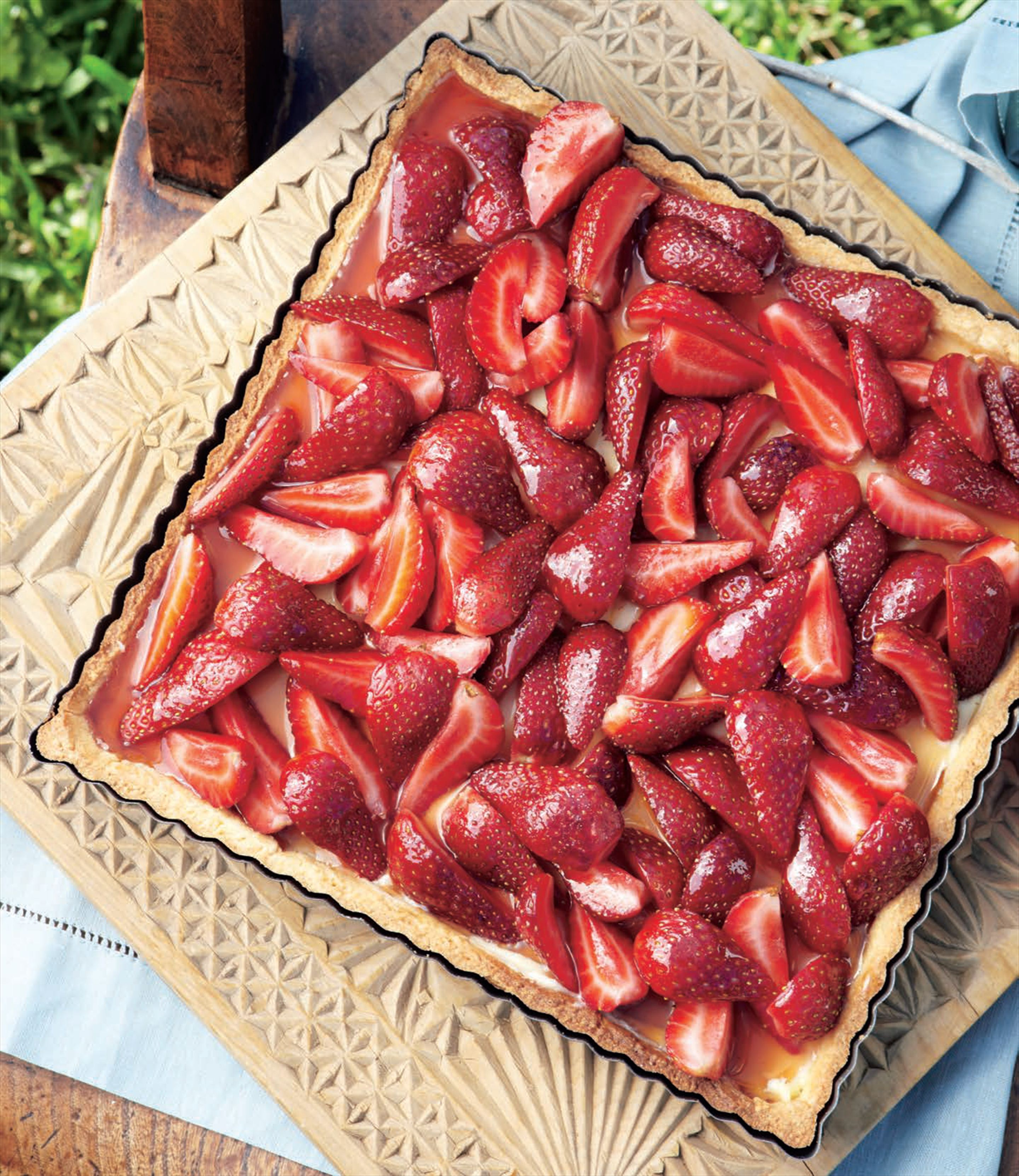 Glazed strawberry flan