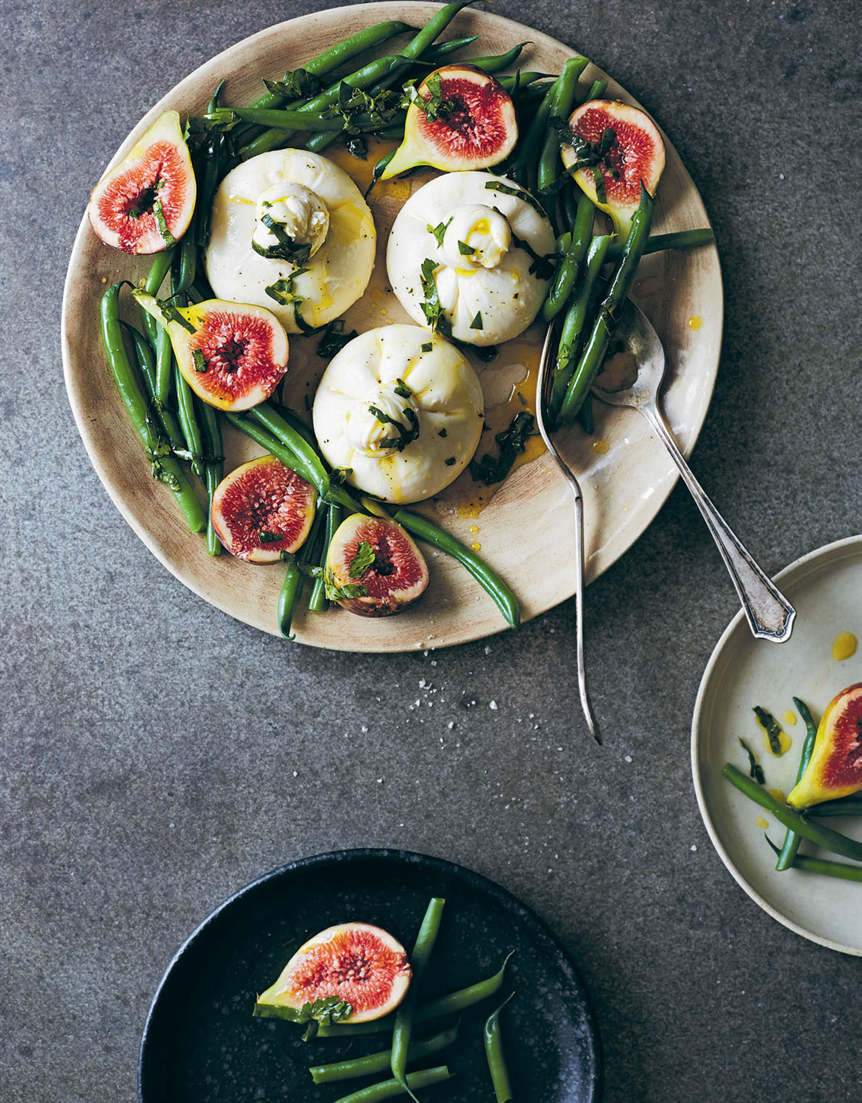 Burrata with green beans