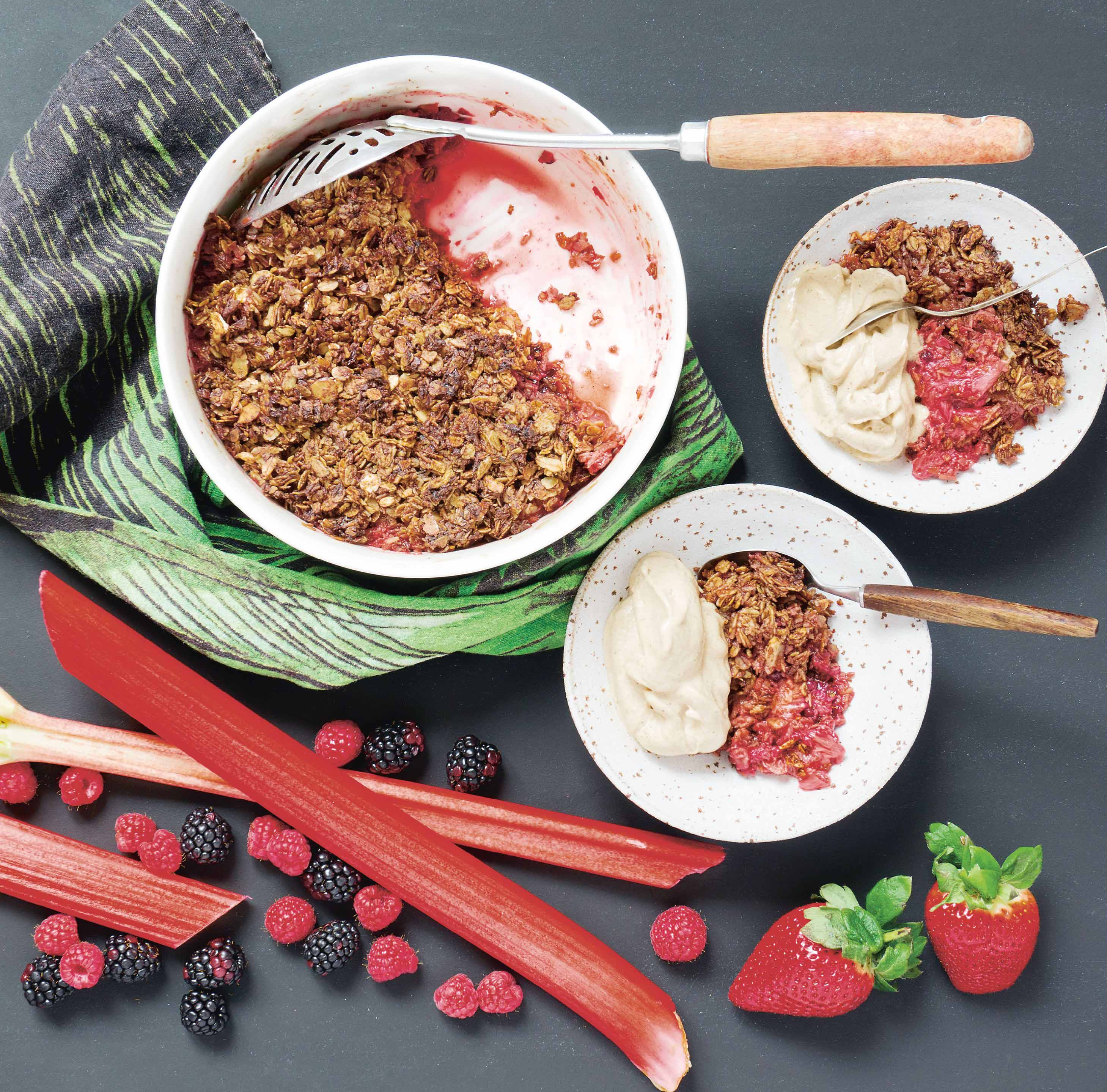 Rhubarb and berry crumble