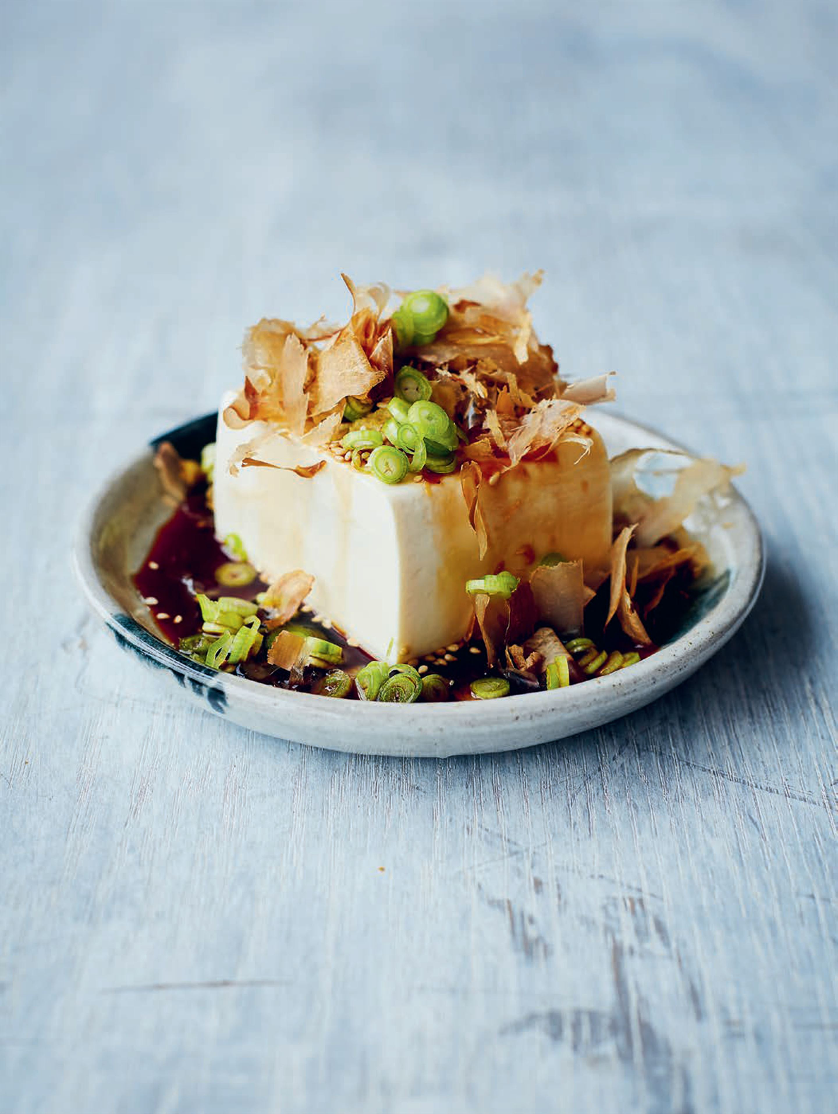 Chilled tofu with soy sauce, ginger and katsuobushi