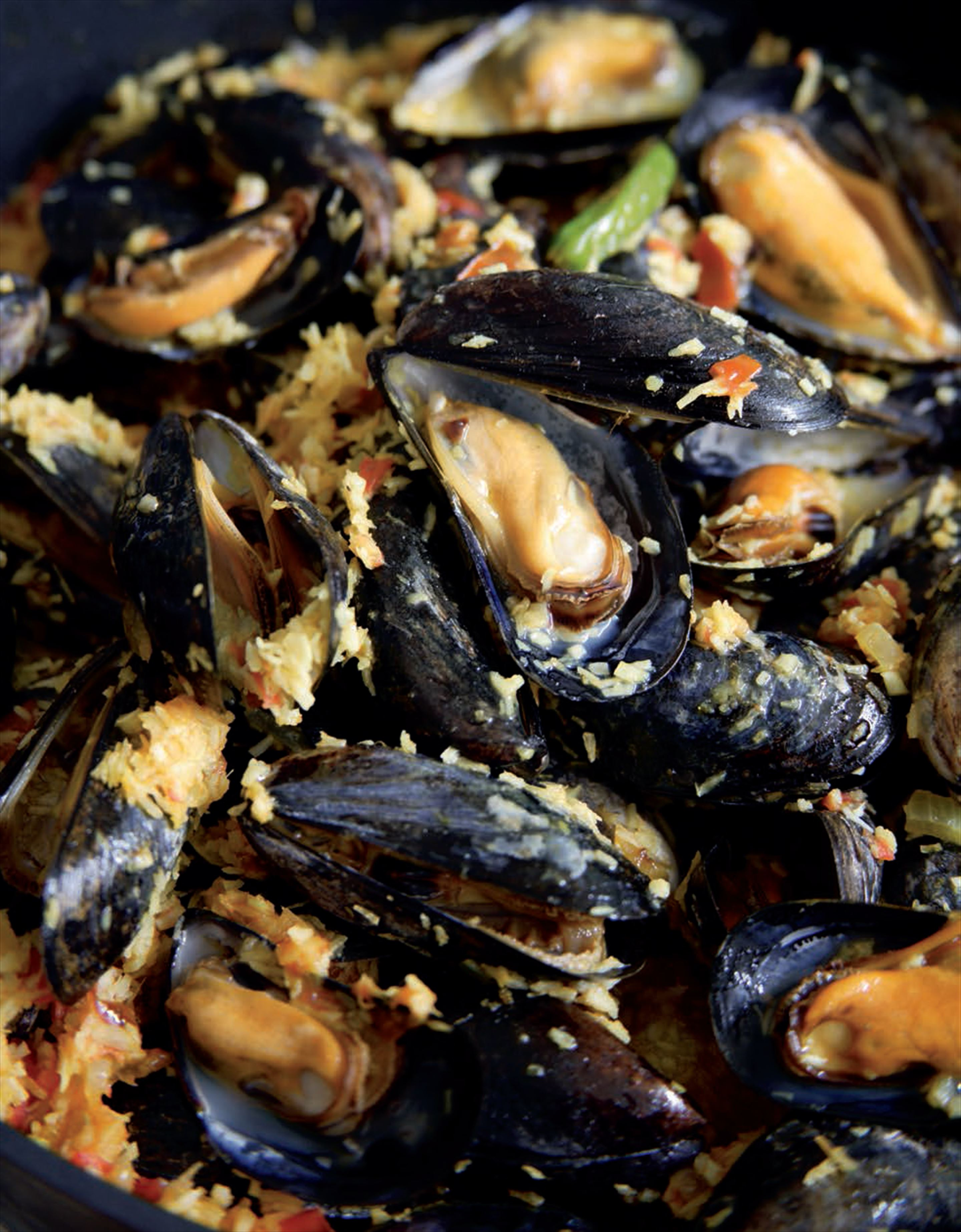 Mussels with dry coconut