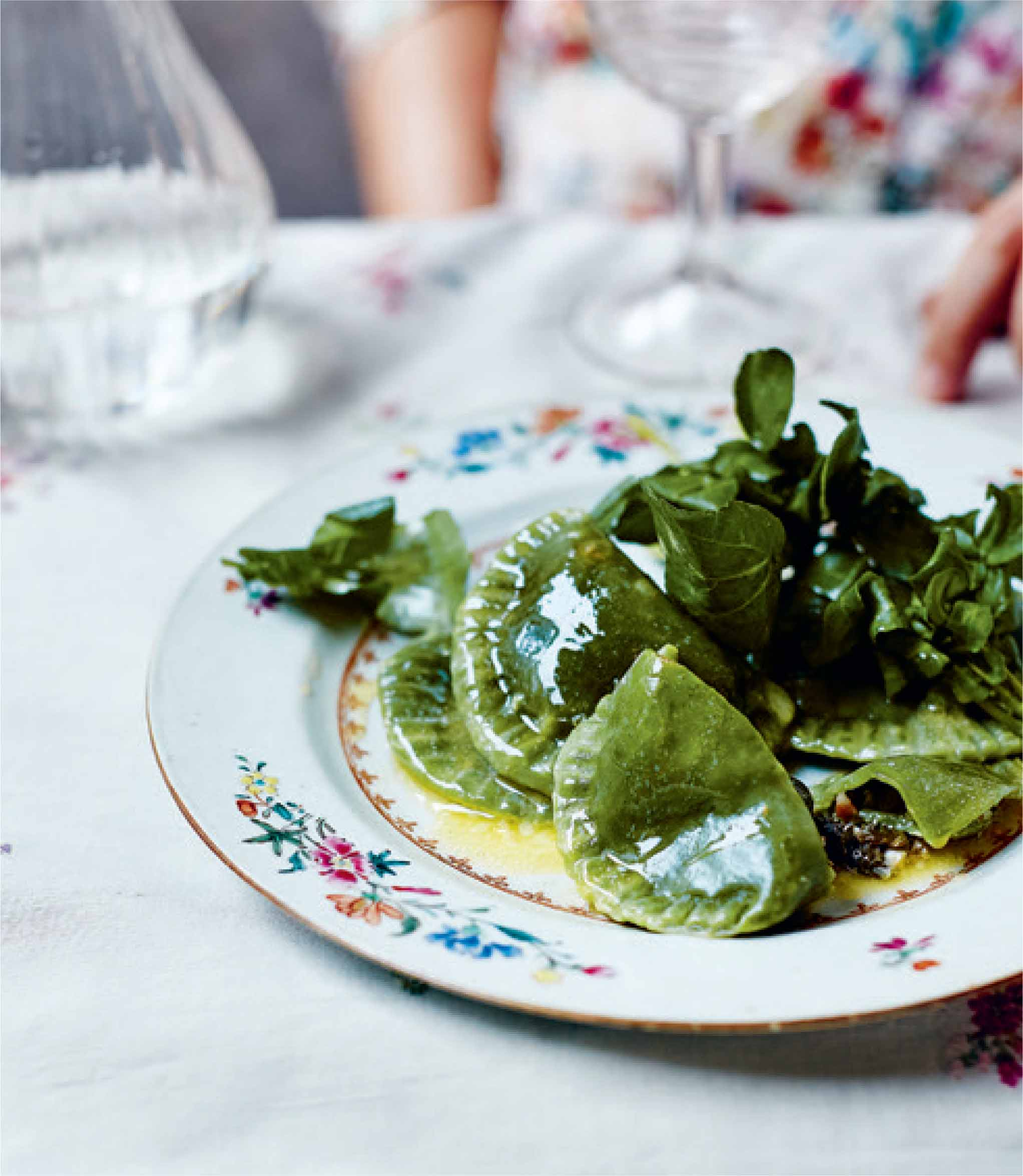 Green springtime pierogi with spinach, kasza and cheese