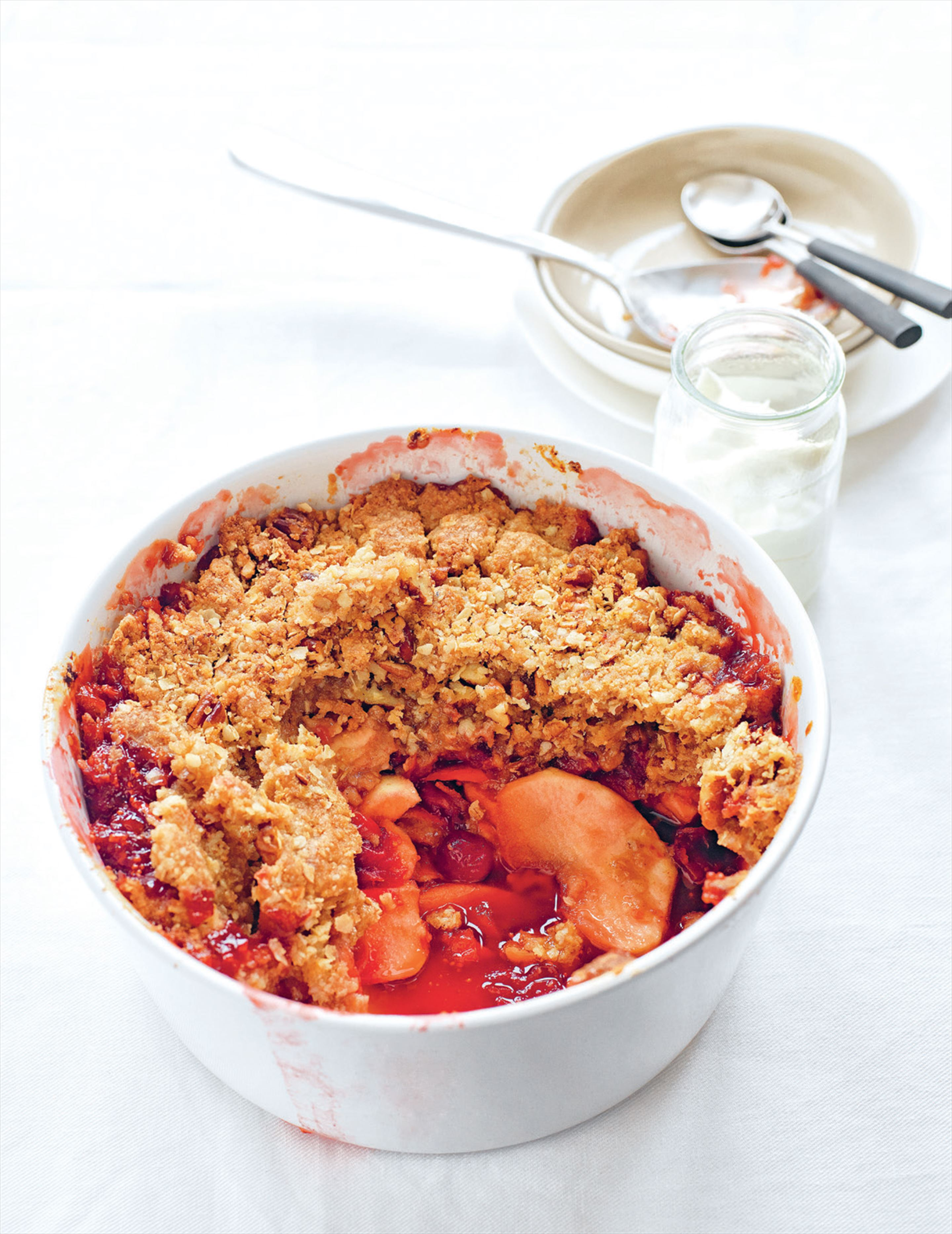 Cranberry, apple & oat crumble
