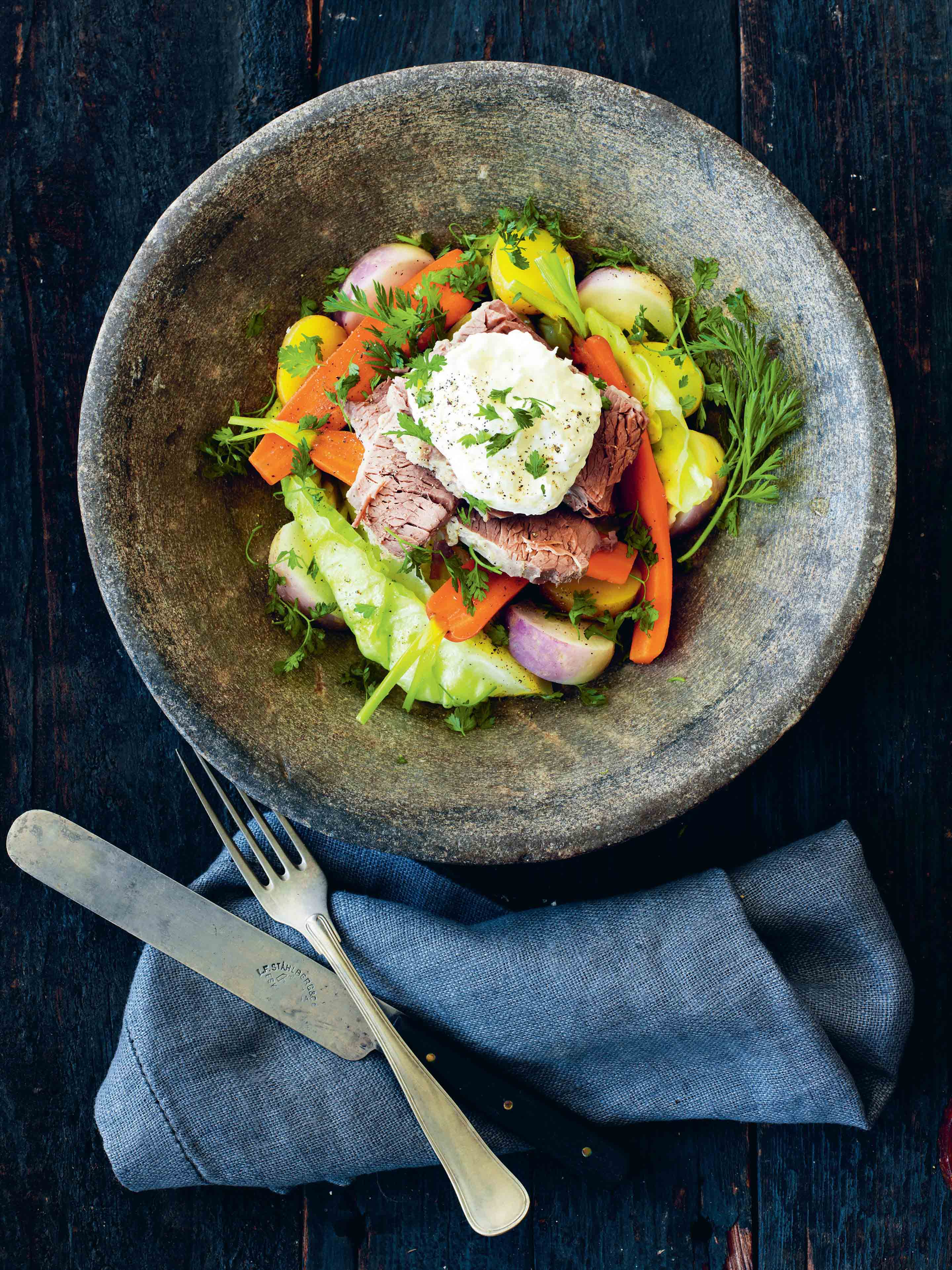 Salted cured beef with steamed vegetables and horseradish cream