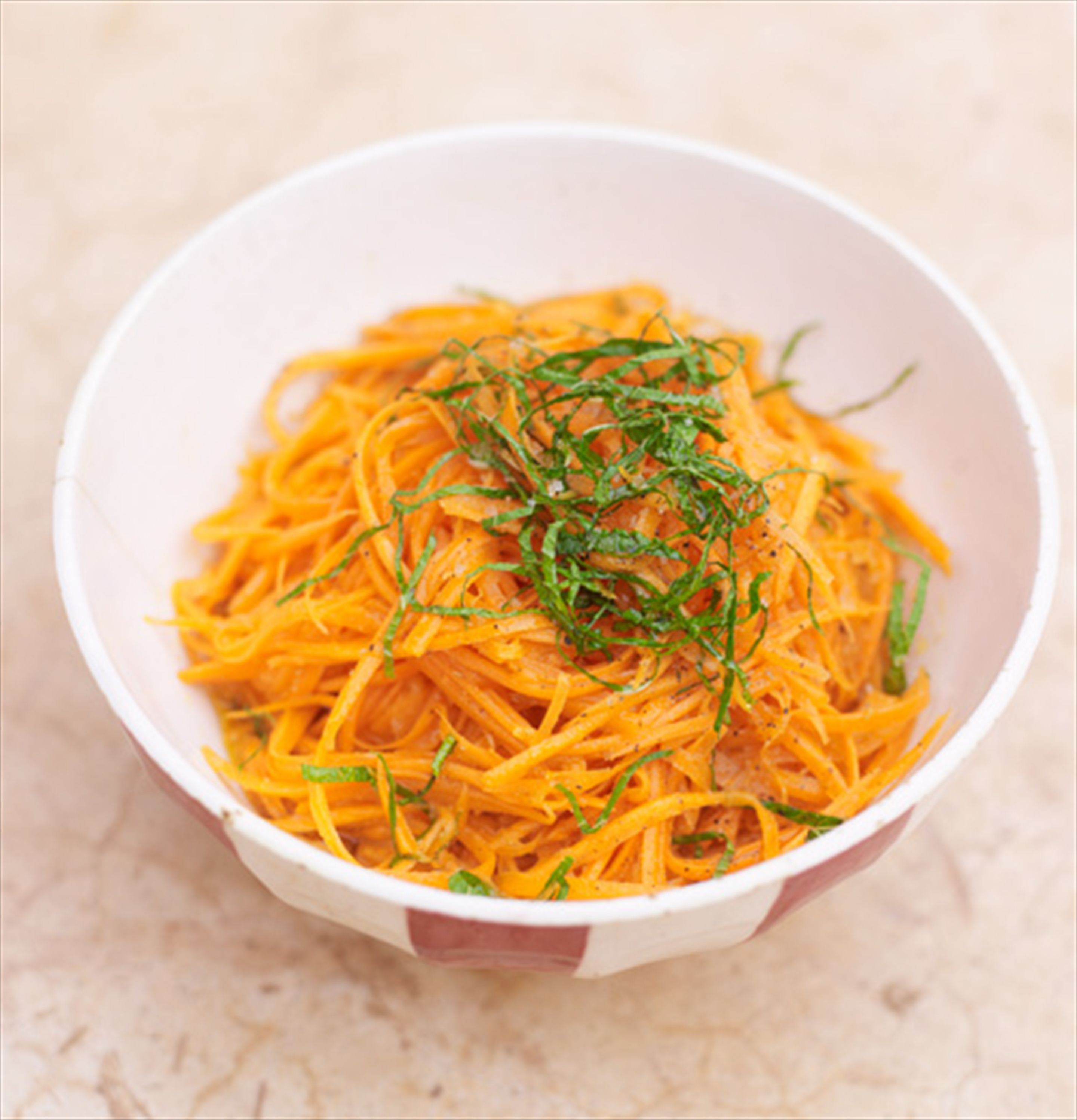Grated carrot & orange salad